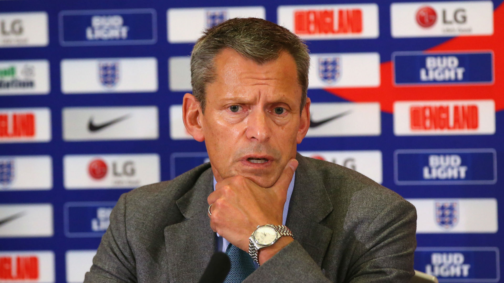 Glenn to stand down as FA boss next year