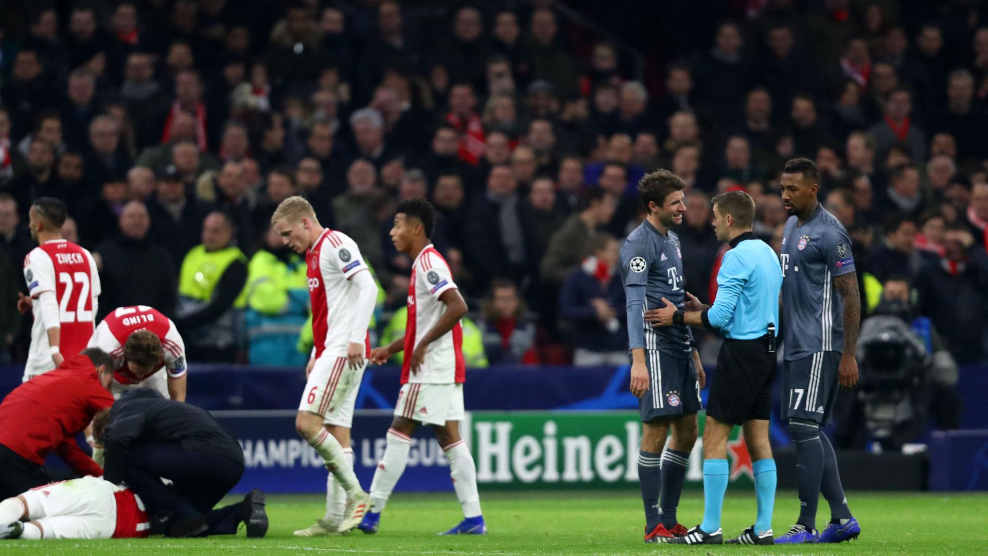 Muller apologises to Tagliafico for kick to the head