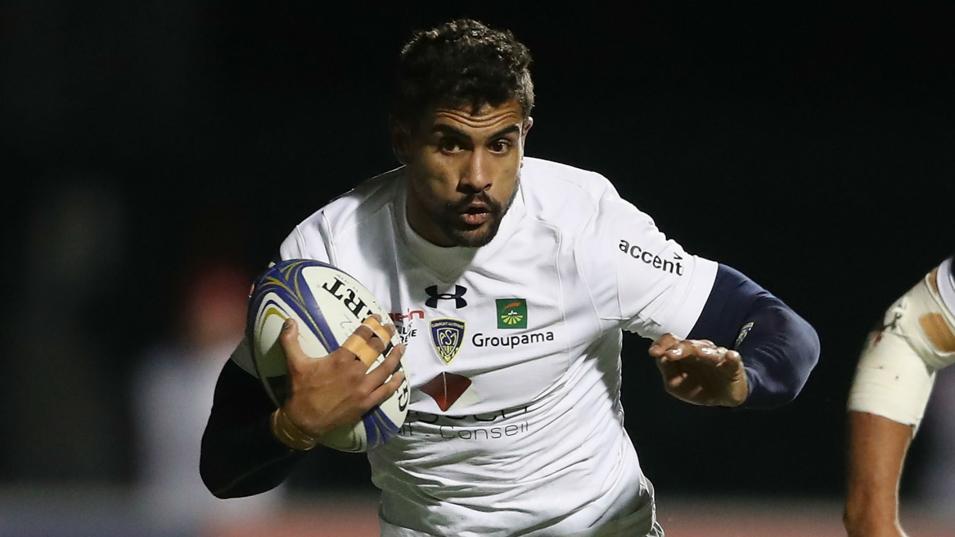 Top 14 leaders Clermont hang on to beat Montpellier