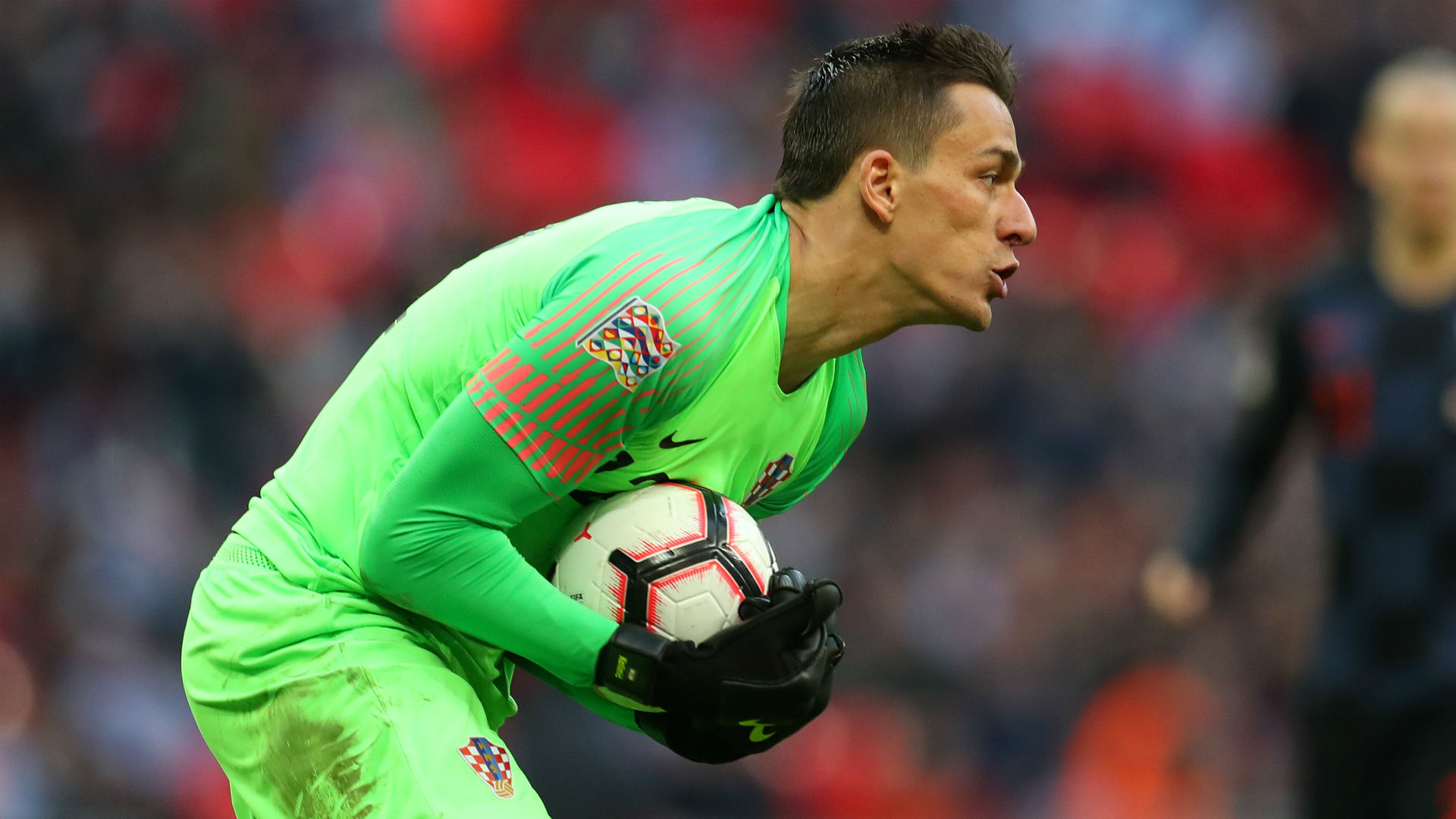 Croatia keeper Kalinic to join Aston Villa