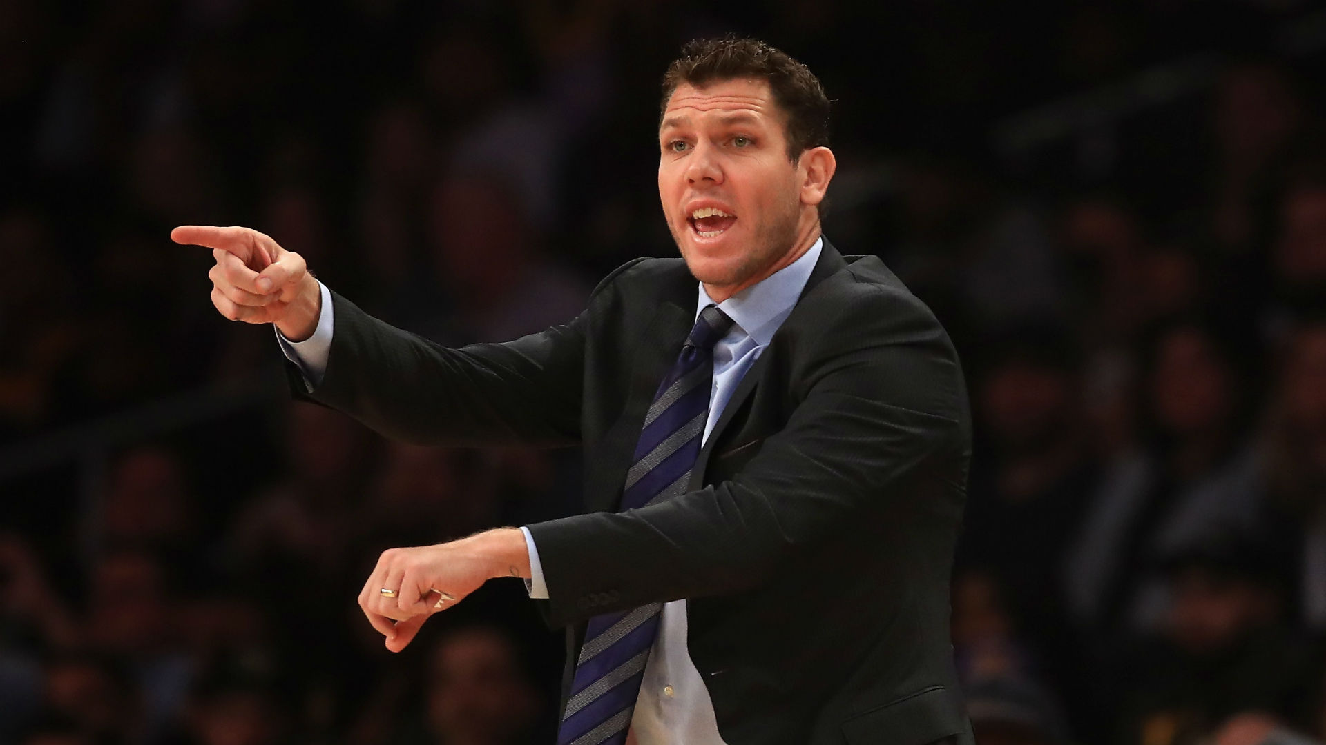 Lakers 'gave in a little bit' in San Antonio, admits Walton