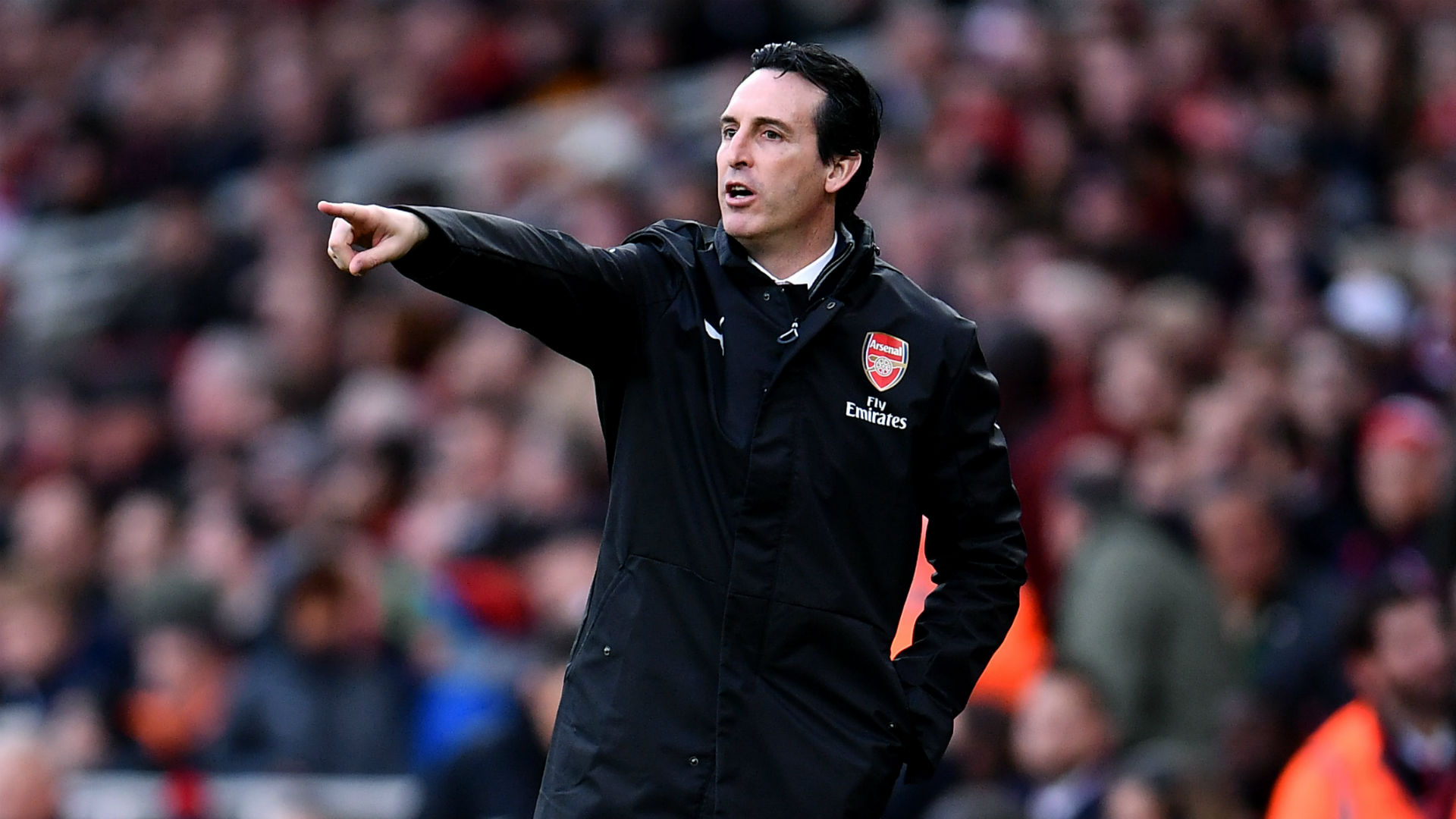 Emery urges in-form Arsenal not to be distracted