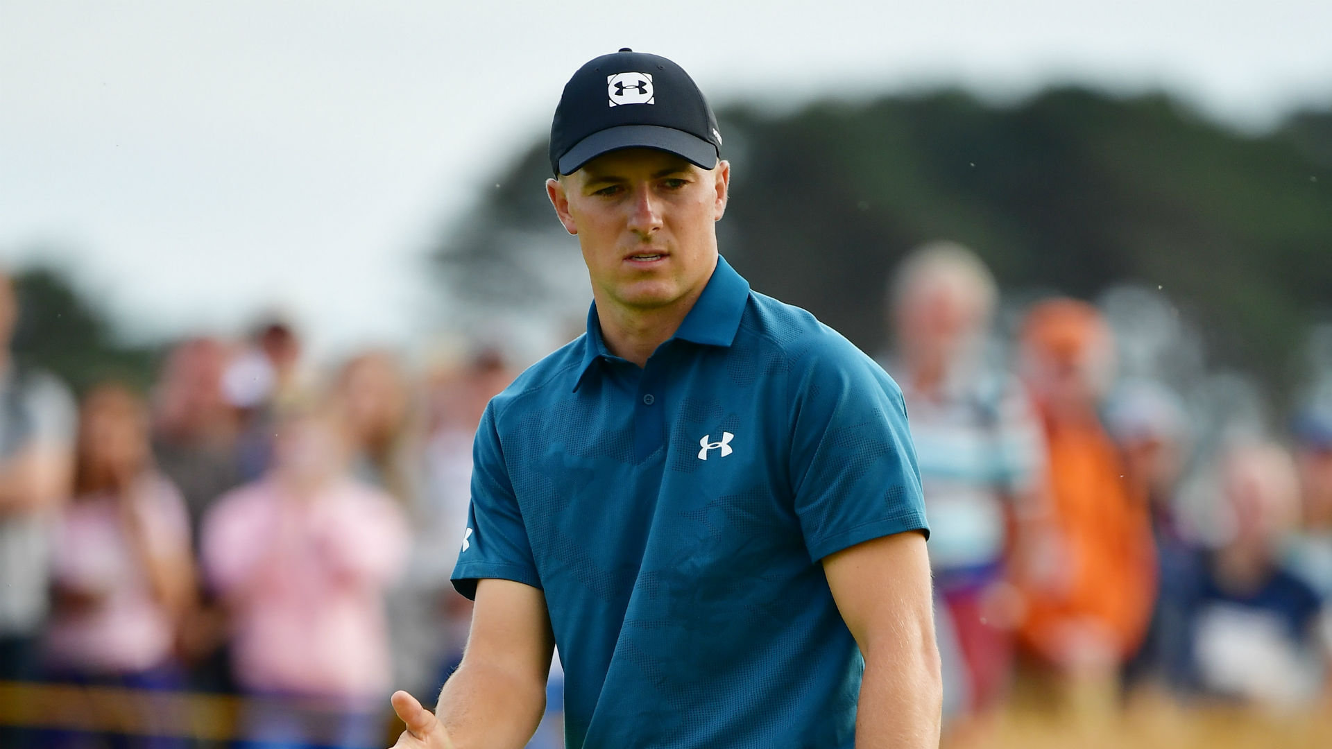 Spieth and Tiger underway as Kisner falls back