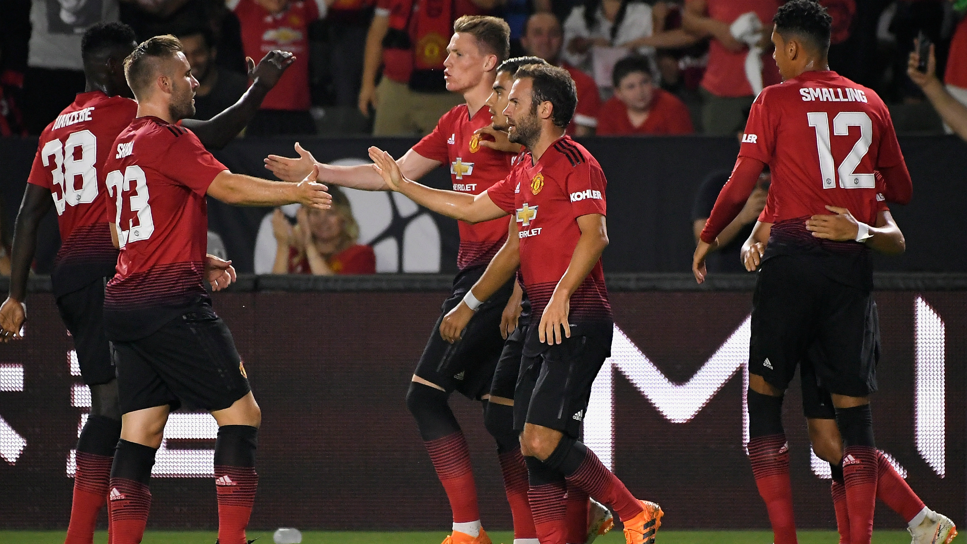 AC Milan 1 Manchester United 1 8 9 On Penalties Red