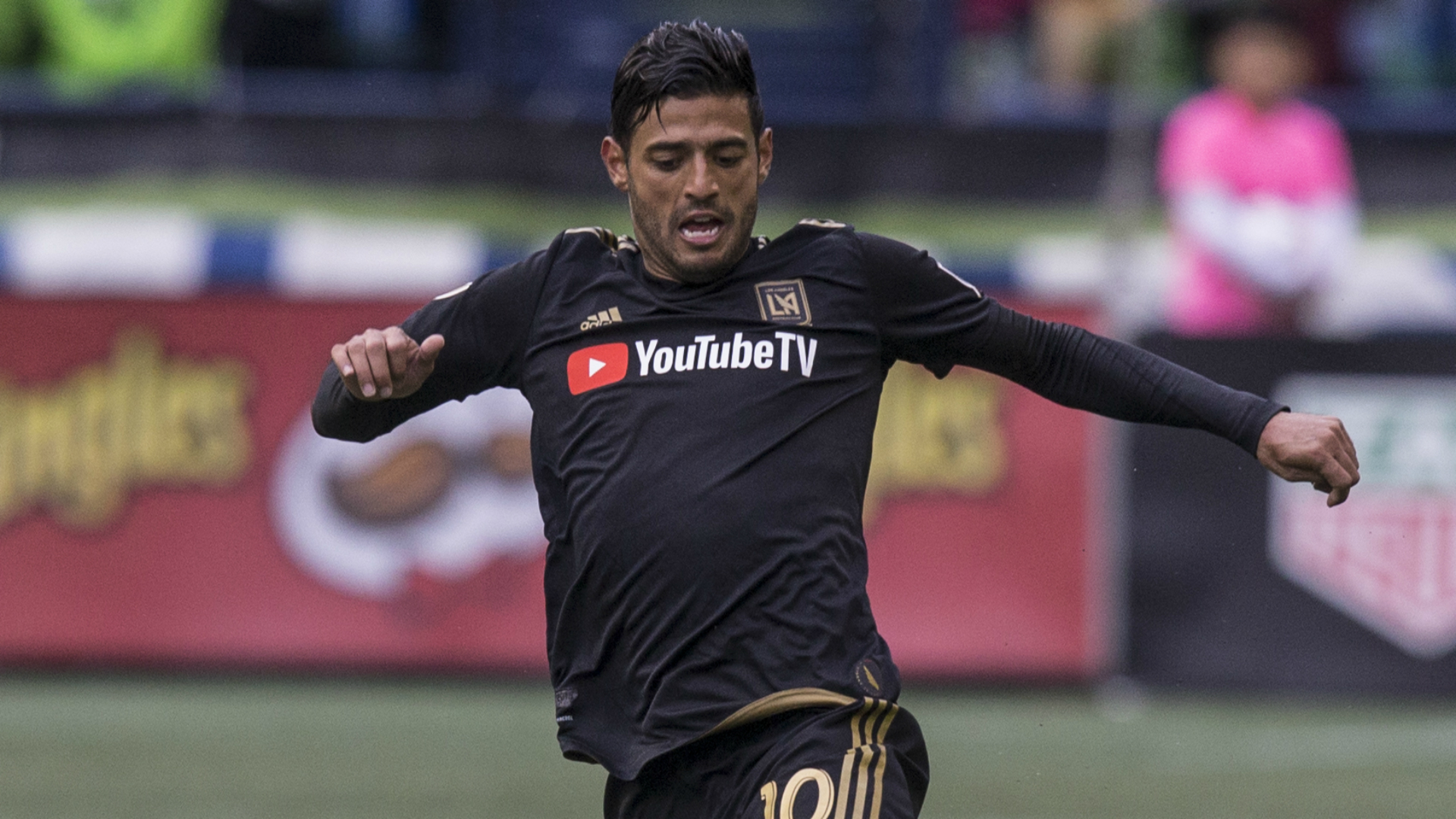 new concept 4d69a 4cf3a MLS Review: Carlos Vela strikes as LAFC continue perfect ...
