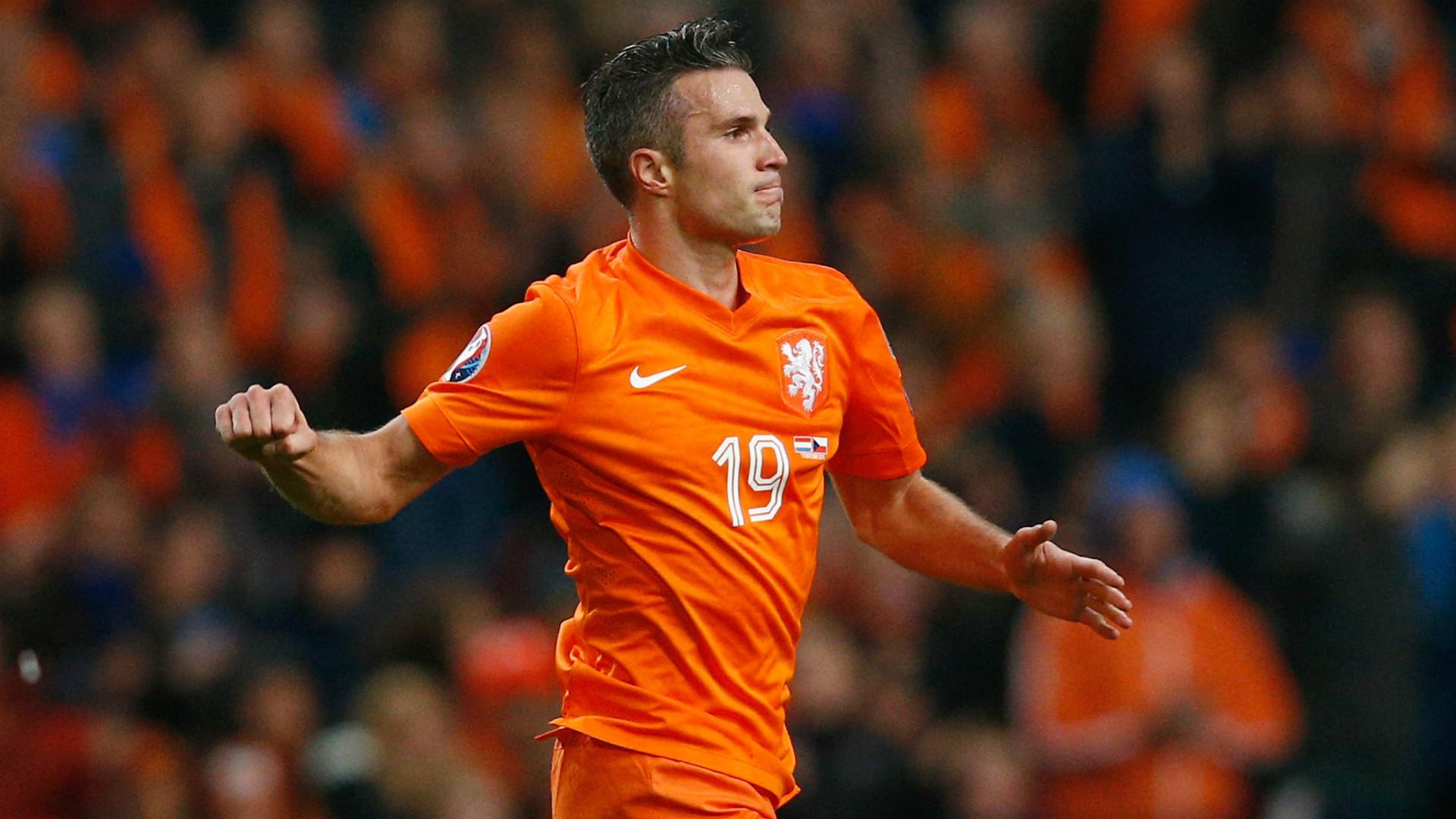 pretty nice b549b c2282 Koeman won't rule out Van Persie Netherlands return ...