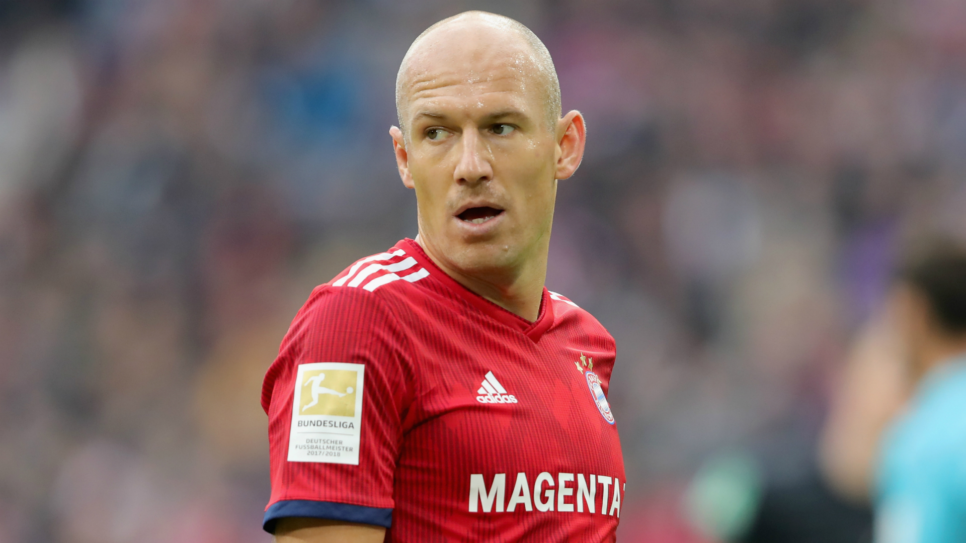 Robben out of Klassiker with knee trouble