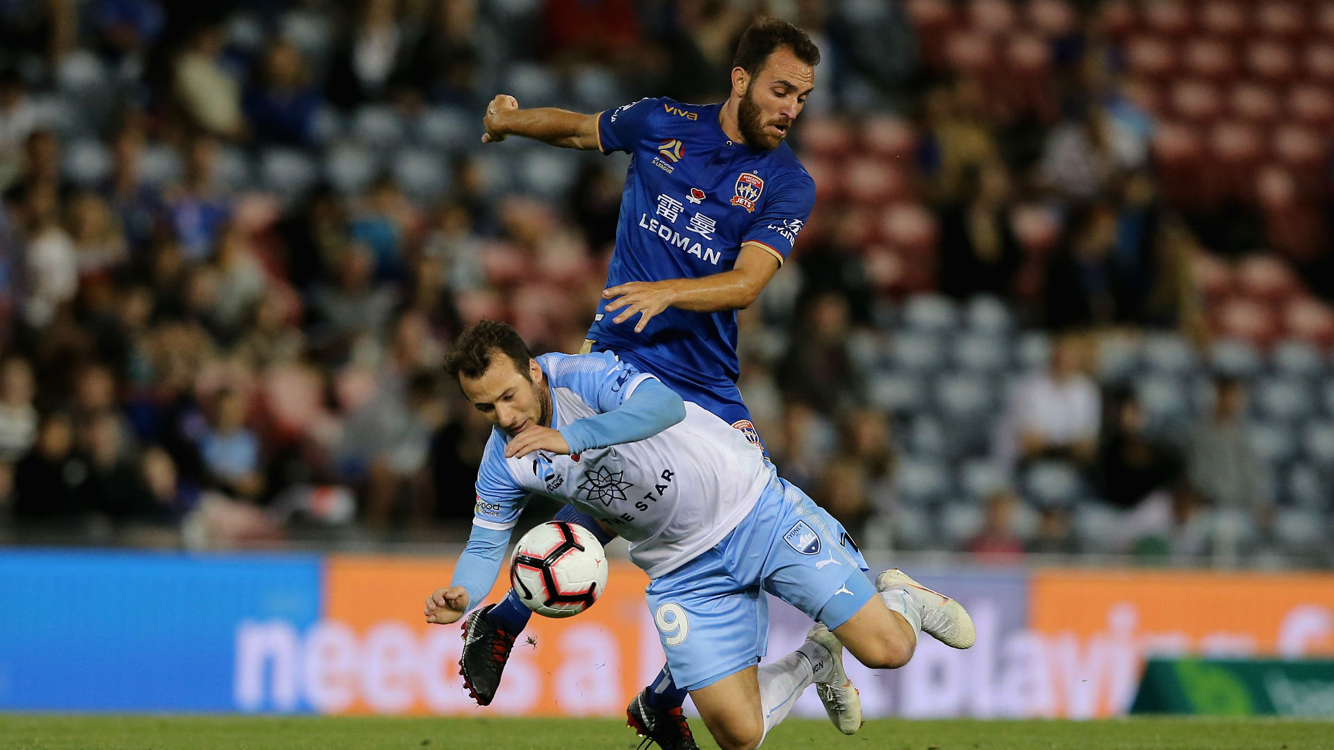 Sydney held by Jets after late leveller