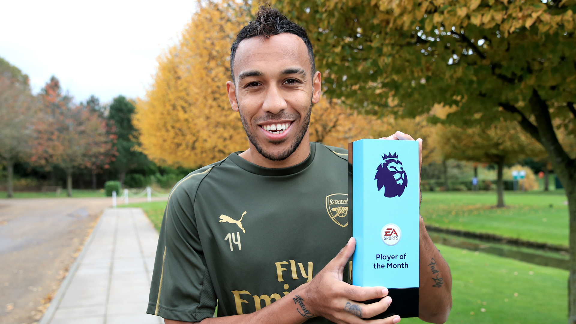 Aubameyang ends Arsenal's three-year wait for Player of the Month prize