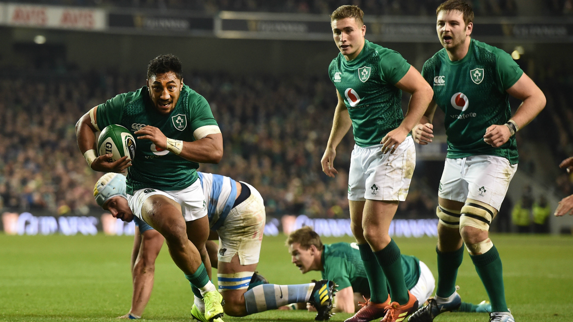 Scrappy Ireland battle to overcome Argentina