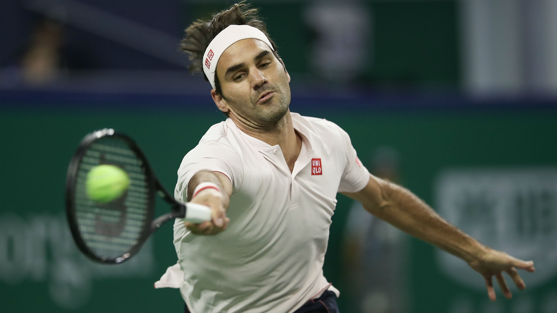 Federer sinks Nishikori to reach Shanghai semi-finals