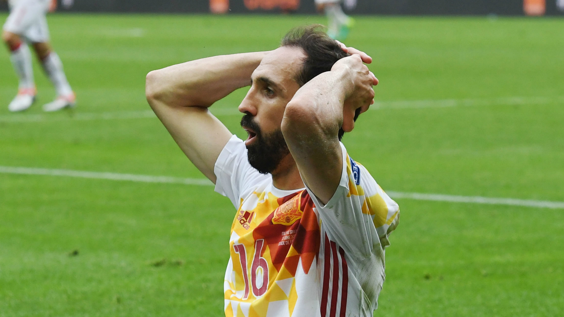 Juanfran still hoping for Spain recall