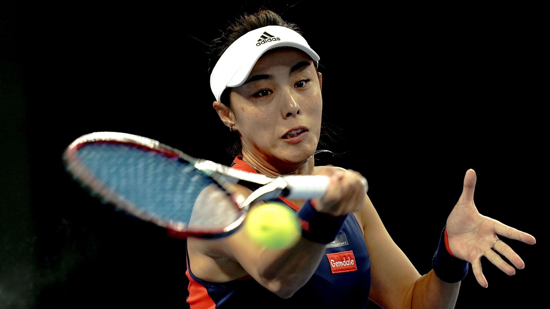 Wang closing on Svitolina scalp when rain halts play