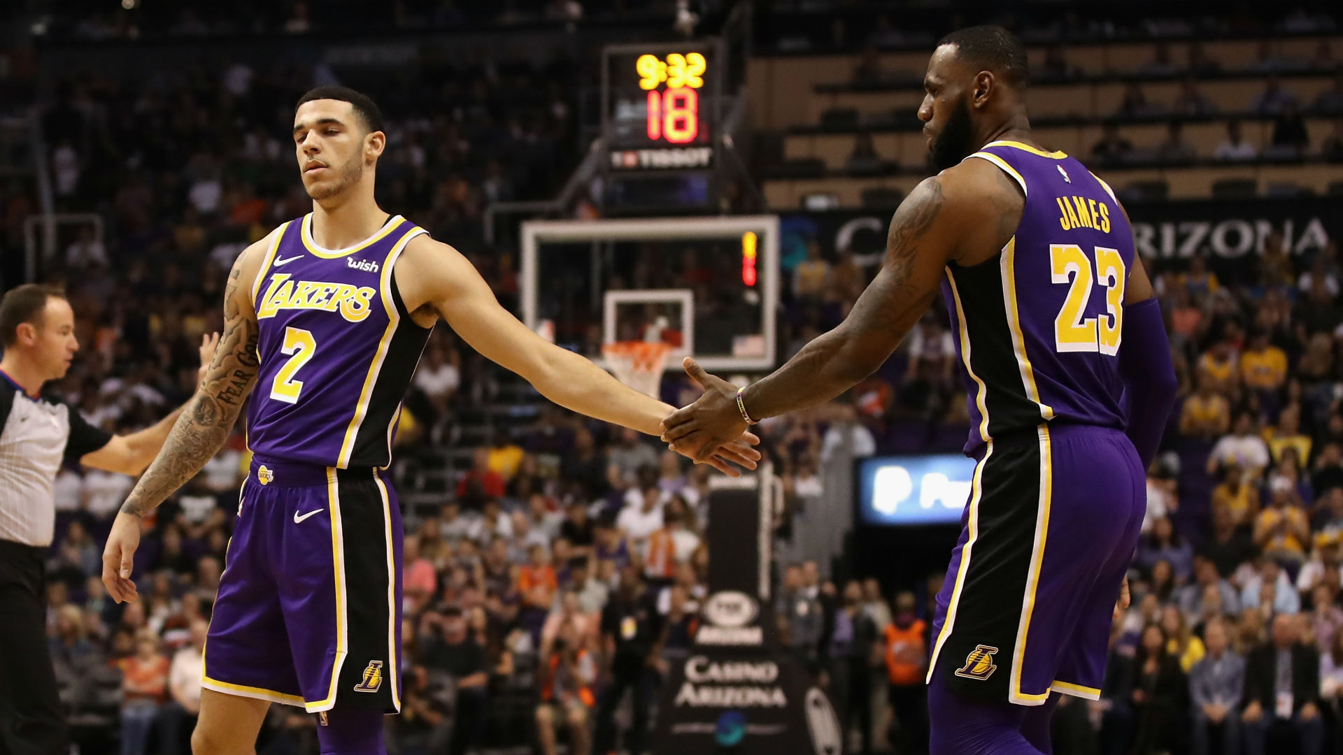 Lebron James Hails Lonzo Ball Lance Stephenson After Lakers Win Again Basketball News Stadium Astro