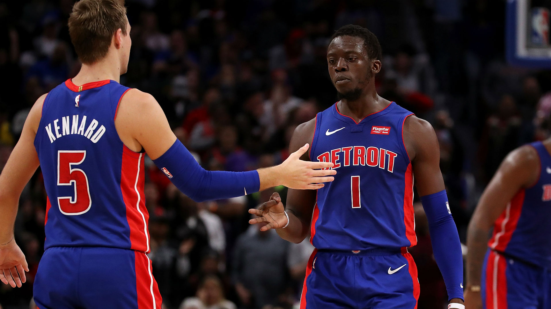 Pistons clinch final playoff spot, Wade and Nowitzki farewell NBA