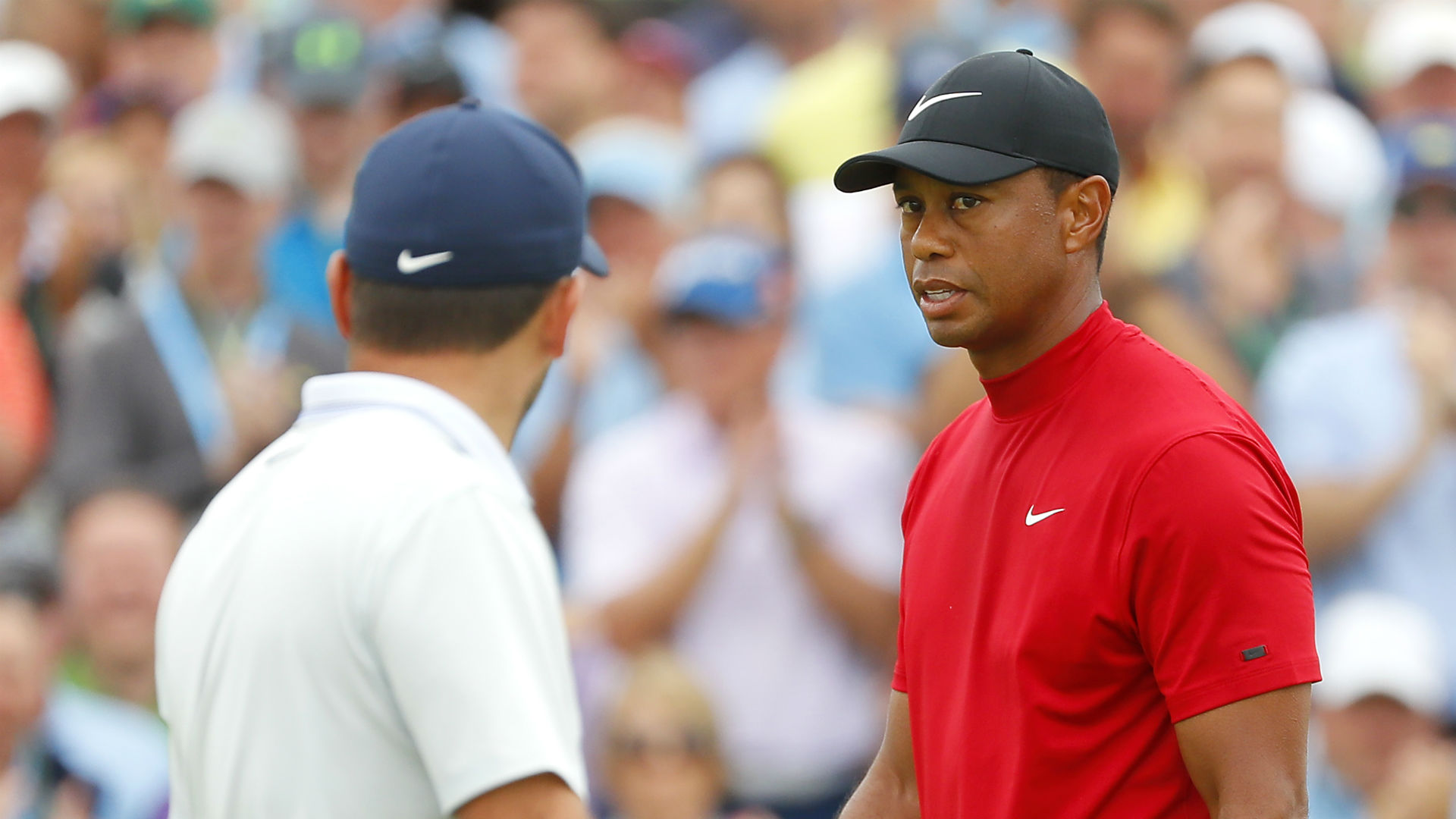 Molinari opens door for Tiger by finding water at 12