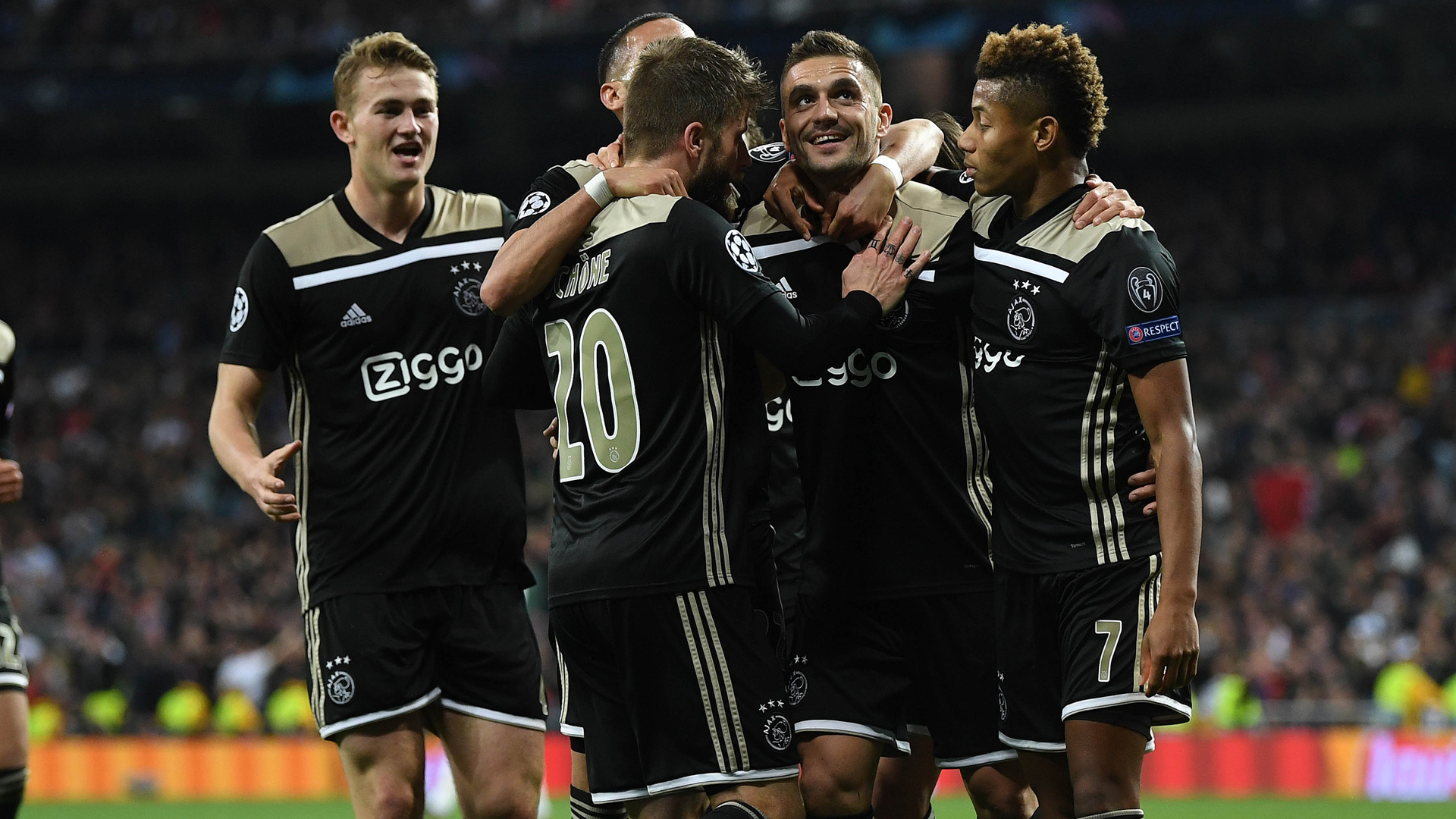 Eredivisie fixtures move boosts Ajax's Champions League bid