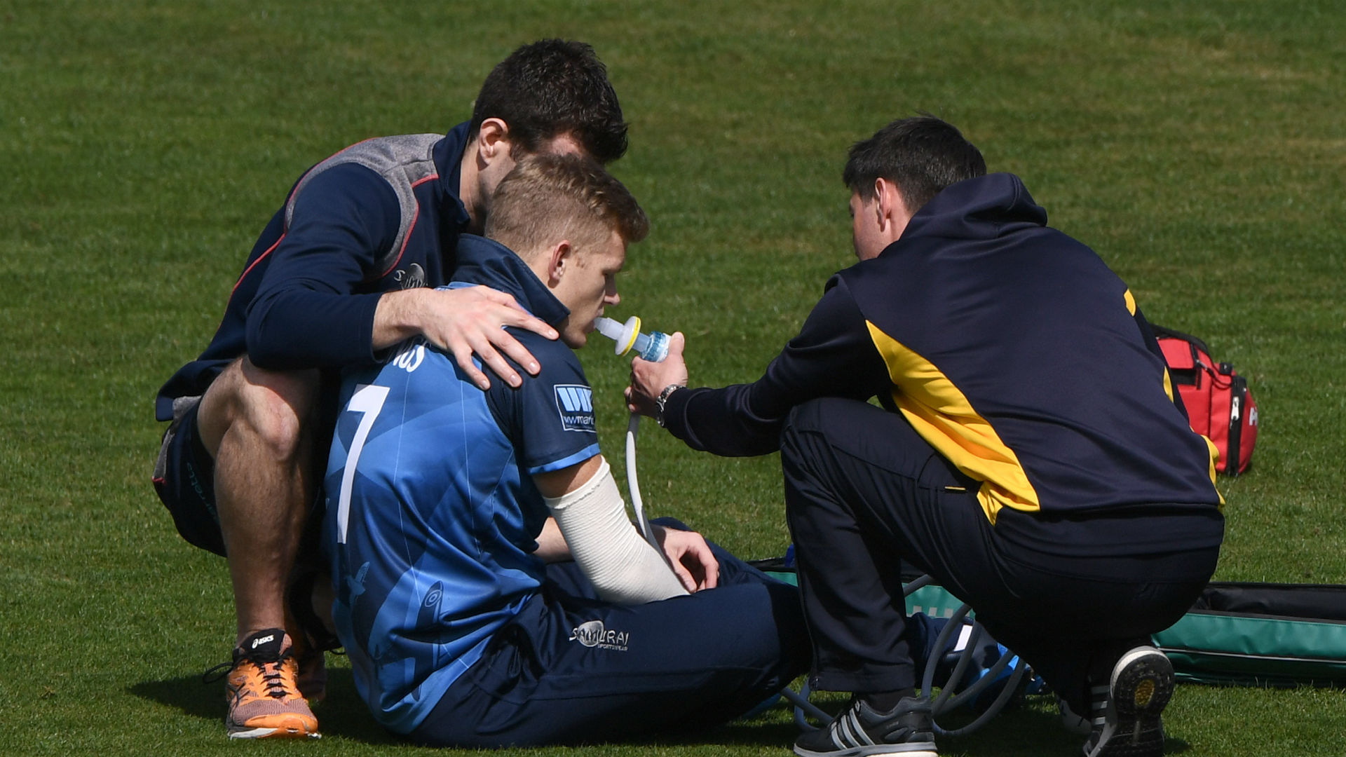 England World Cup hopeful Billings suffers injury blow