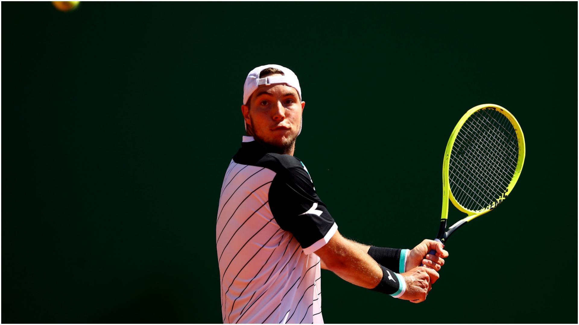 Struff stuns Tsitsipas to set up Nadal quarter-final