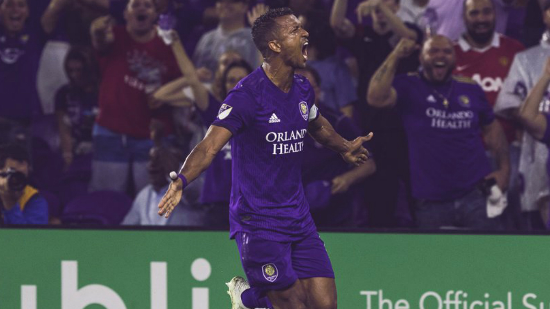MLS Review: Nani scores twice in seven-goal thriller, Rooney sent off