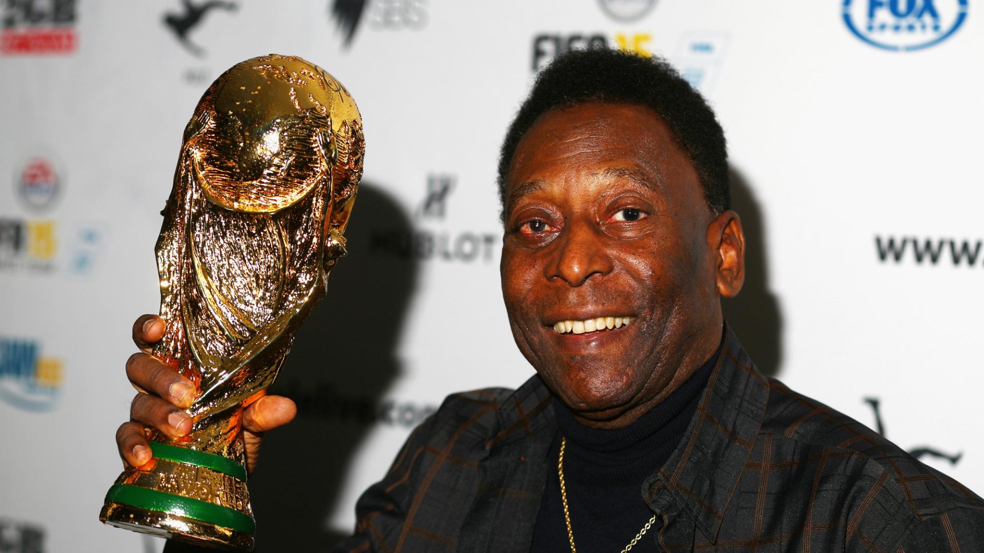Pele back in Brazil after hospital stay