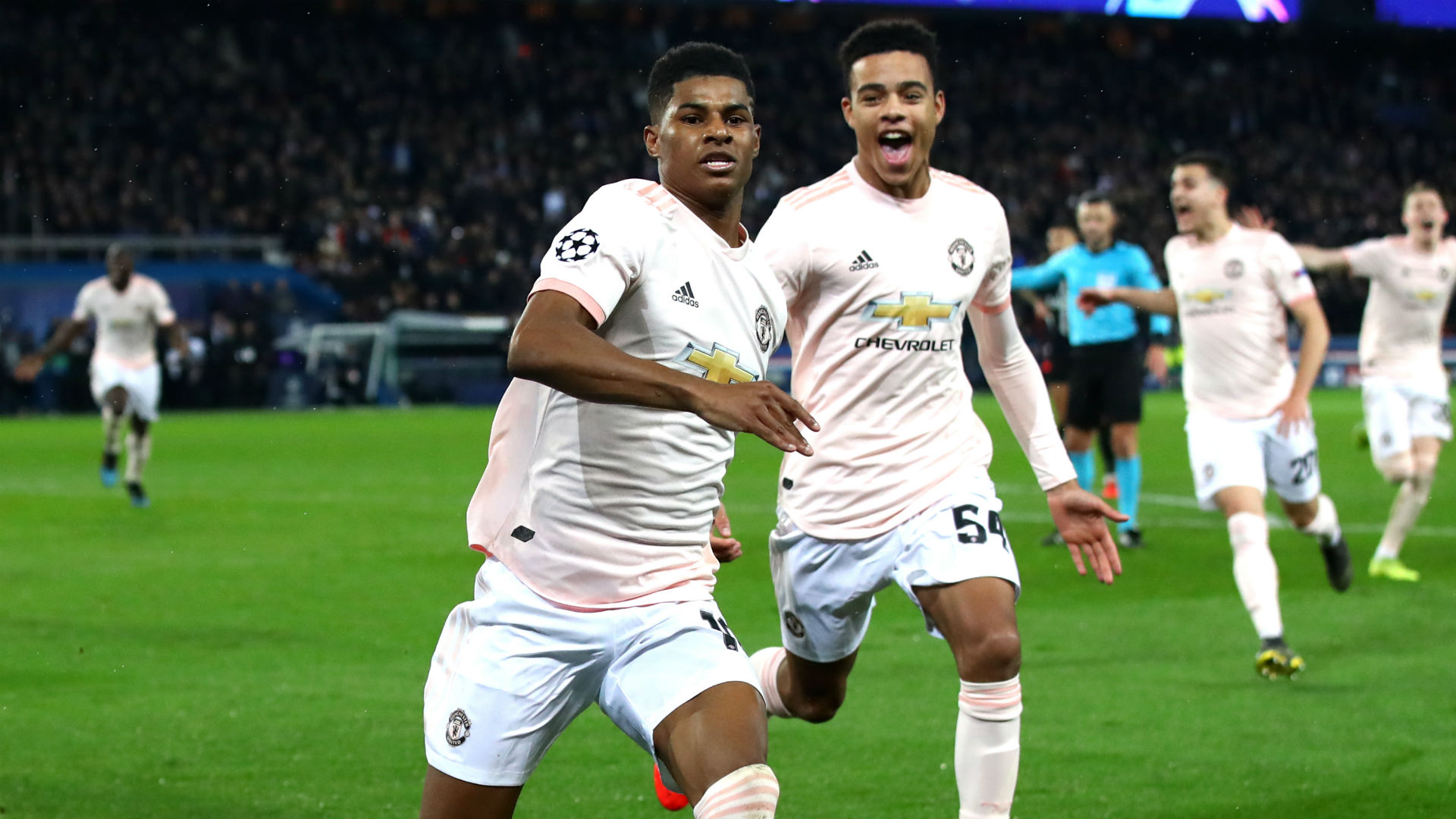 Manchester United wait on Rashford and Matic fitness for Barca clash
