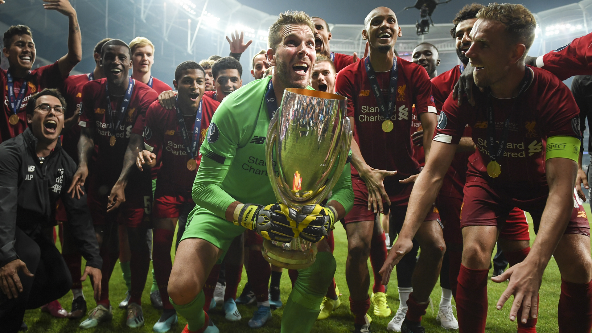 Adrian can have the house for f*** all! – Carragher offers home to Liverpool goalkeeper