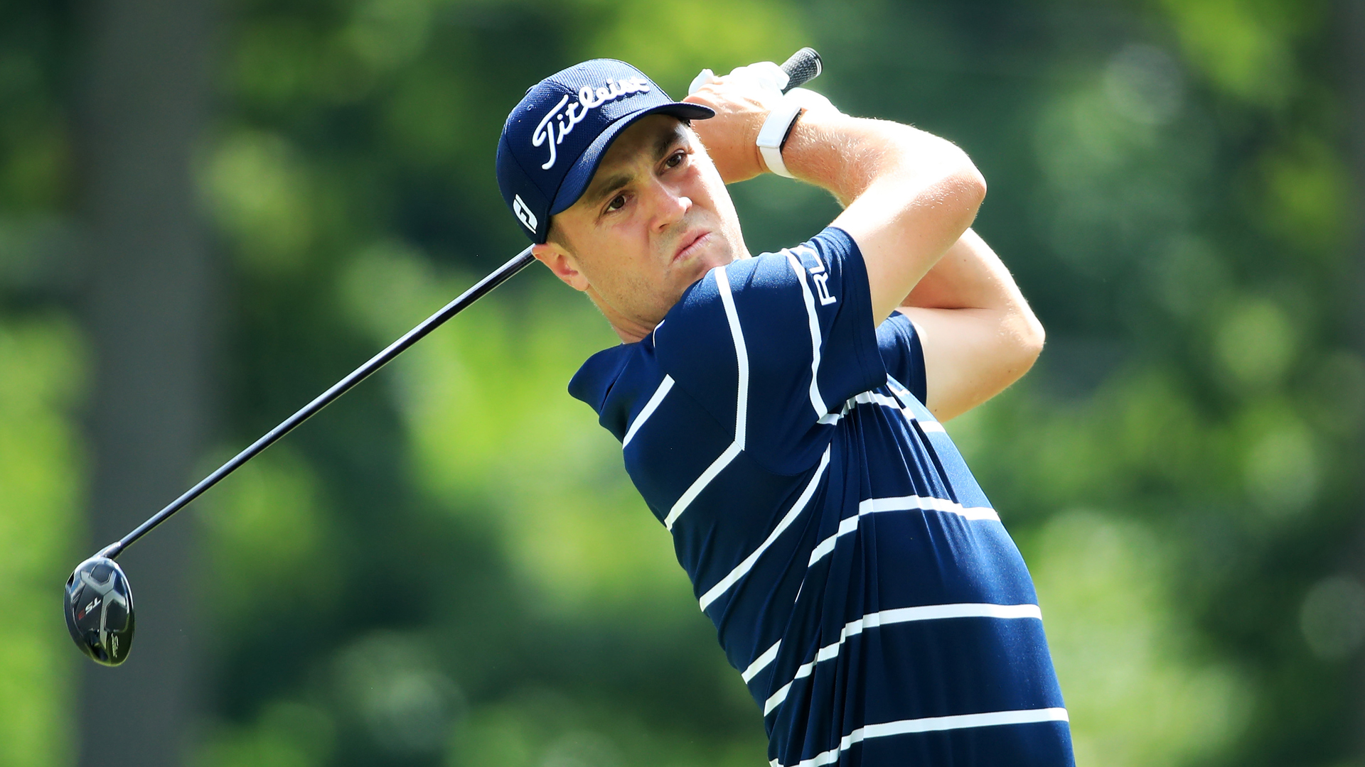 Thomas shares lead at Medinah as Tiger, Spieth sit well back