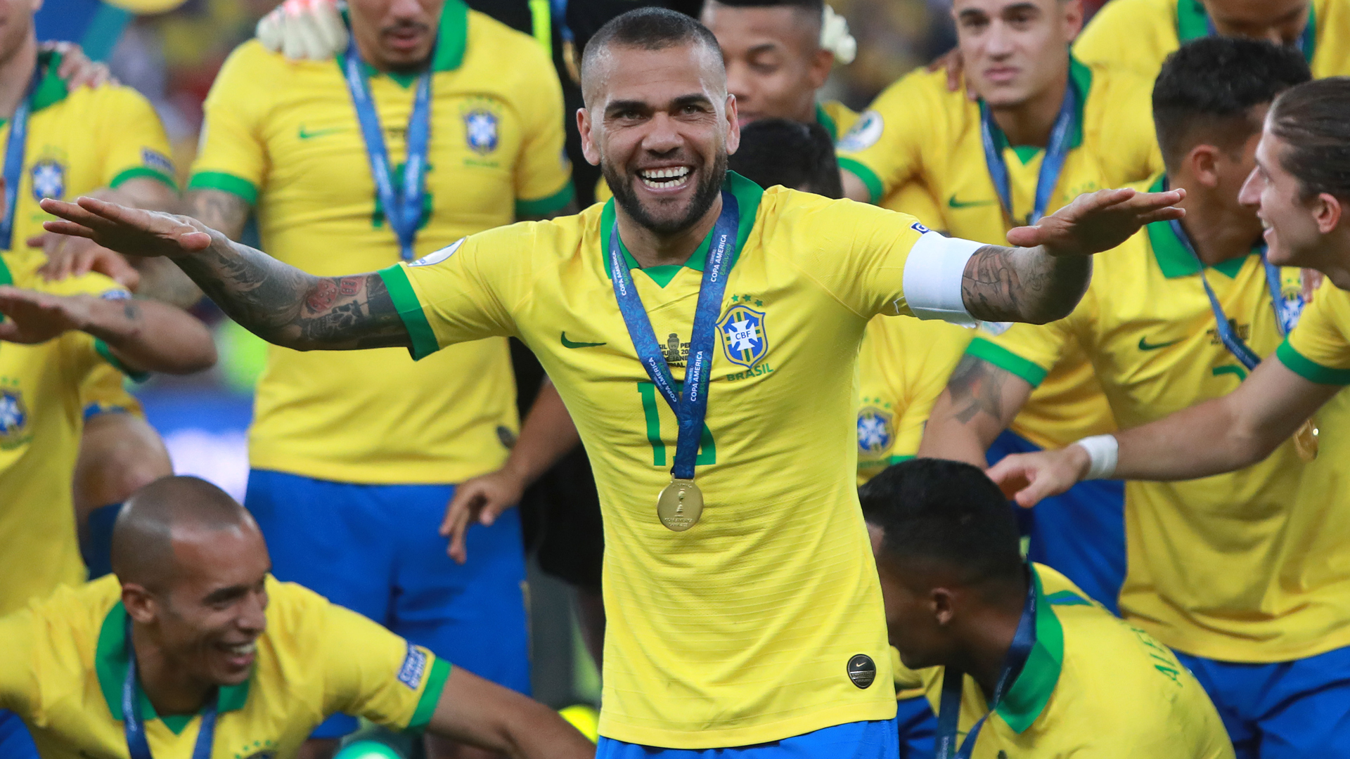 Alves targets history with Sao Paulo, eyes 2022 World Cup