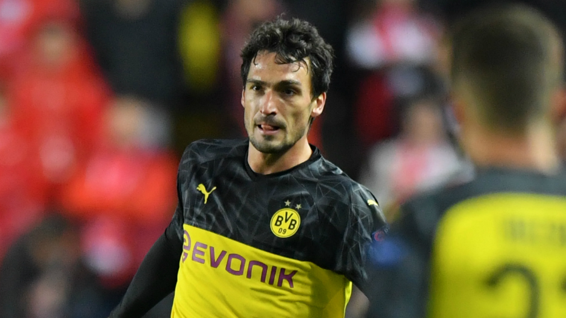 Hummels wake-up call for quiet men of Dortmund
