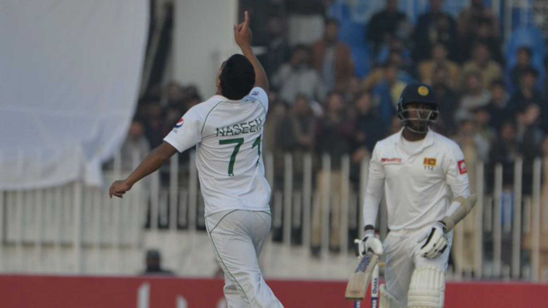 Pakistan hit back with the ball in long-awaited Test on home soil