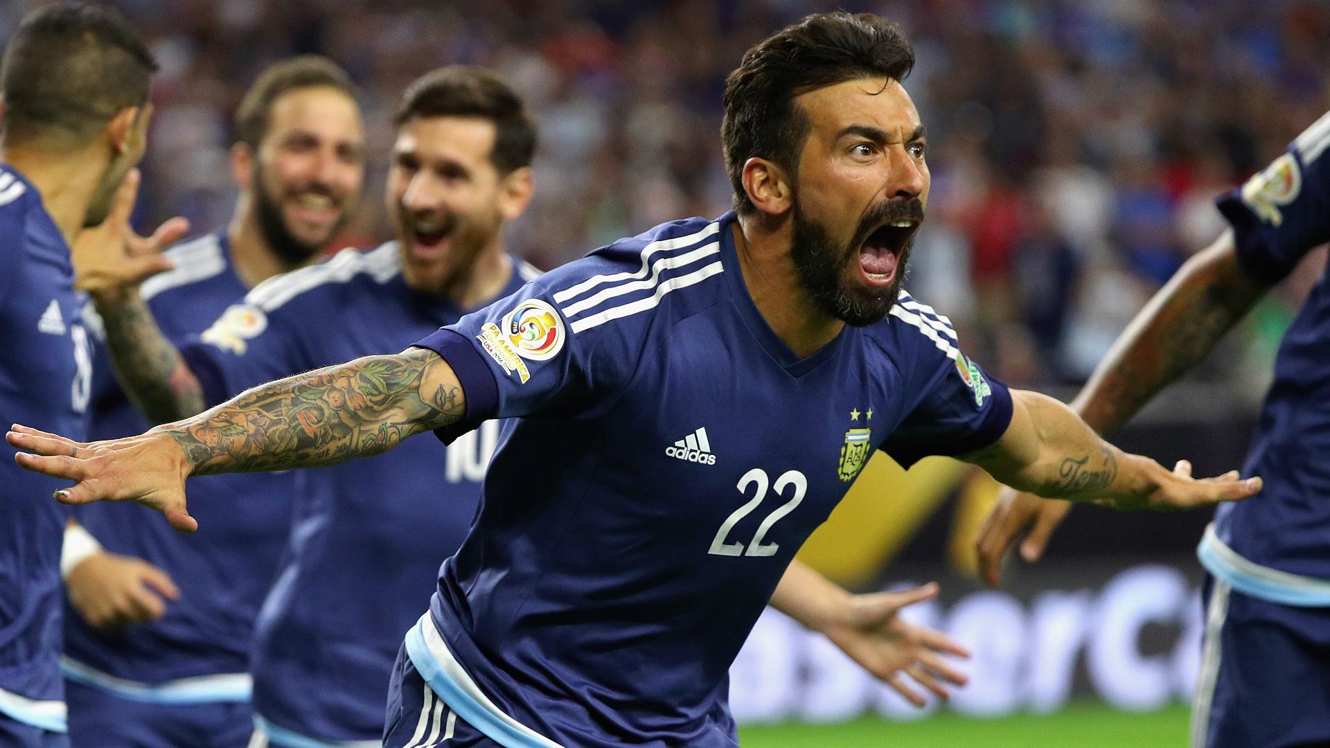 Former PSG and Napoli star Lavezzi announces retirement