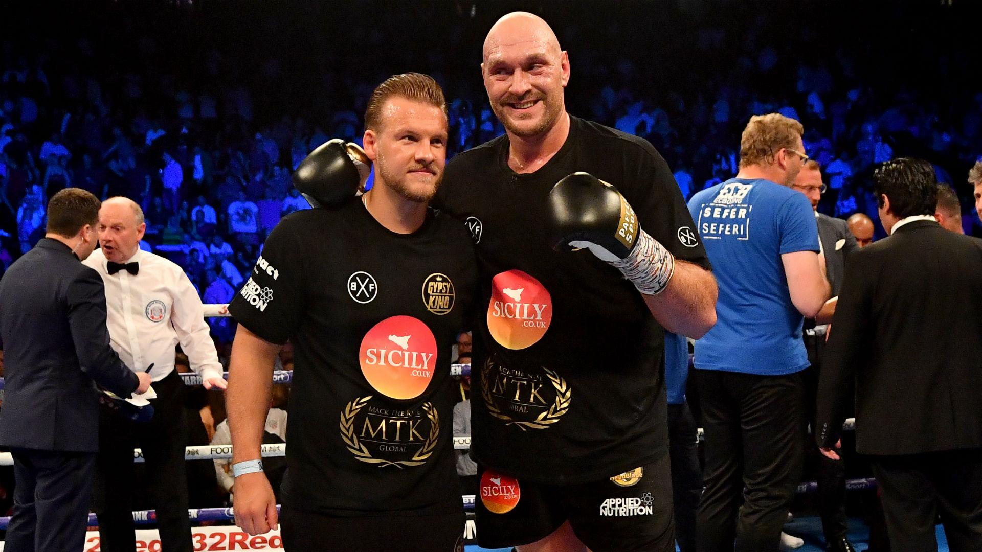 Fury splits from trainer Davison two months from Wilder fight
