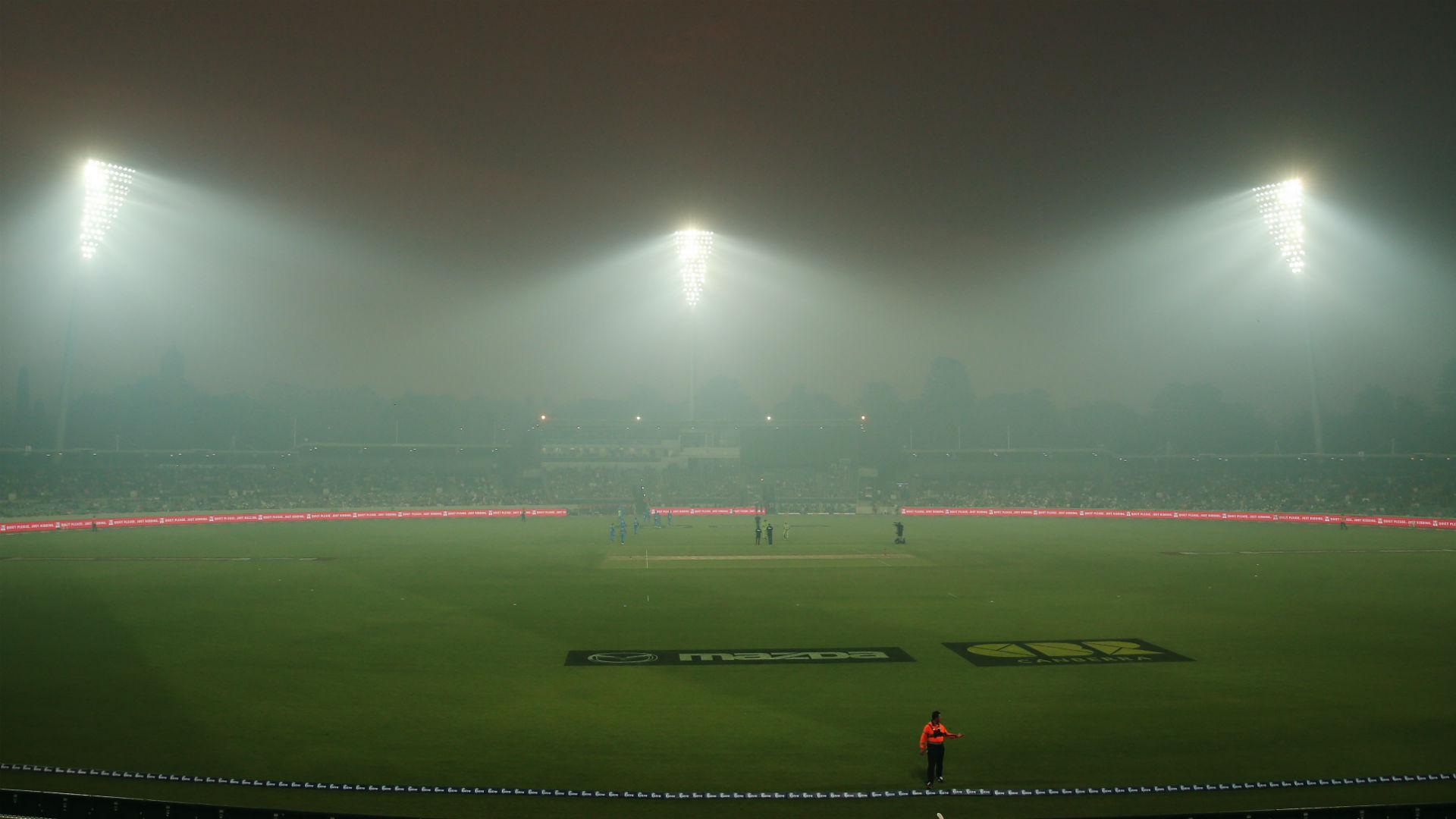 Strikers-Thunder clash abandoned due to bushfire smoke