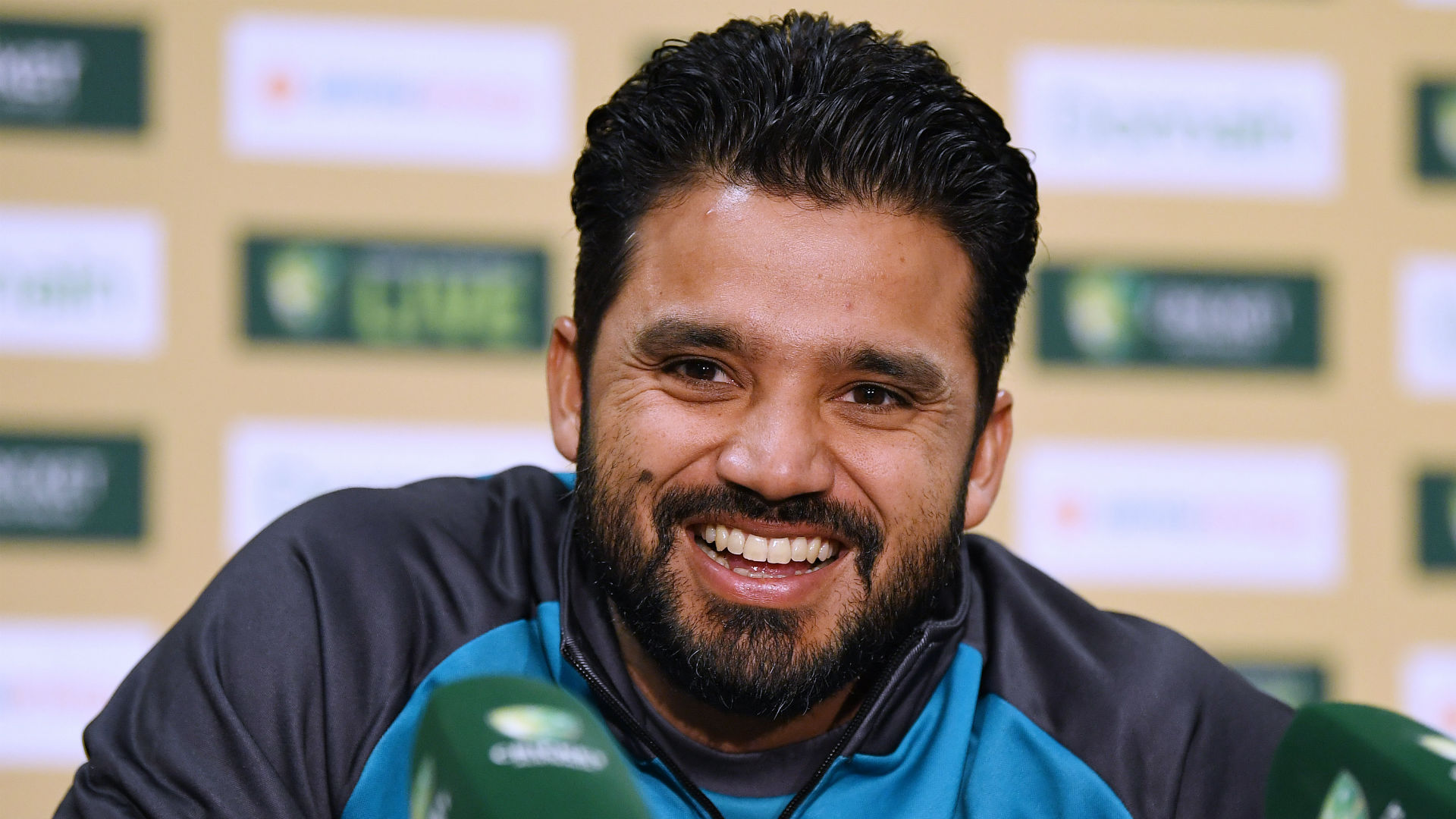 Emotional Azhar thanks Sri Lanka as Karunaratne says: It's safe to play in Pakistan