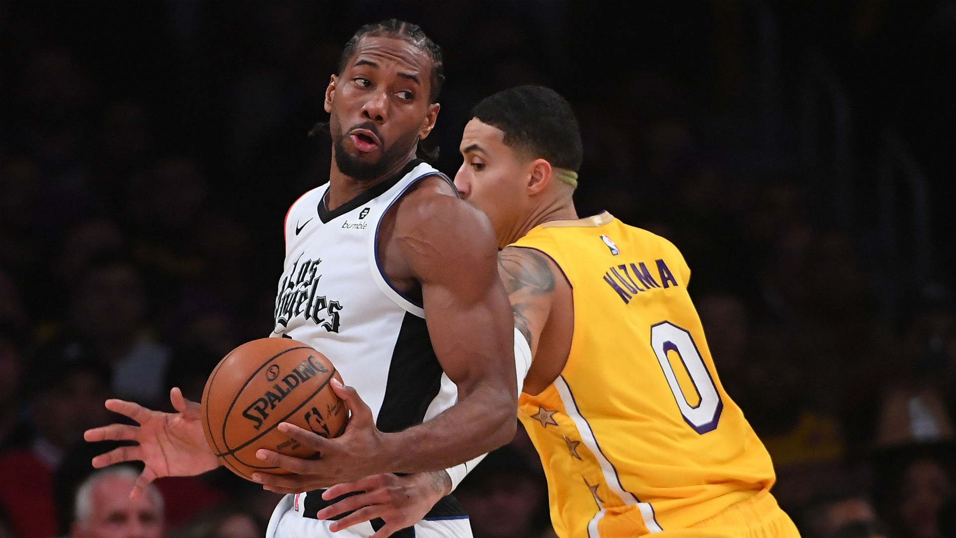 Kawhi Leonard lauds Clippers' composure in win over Lakers