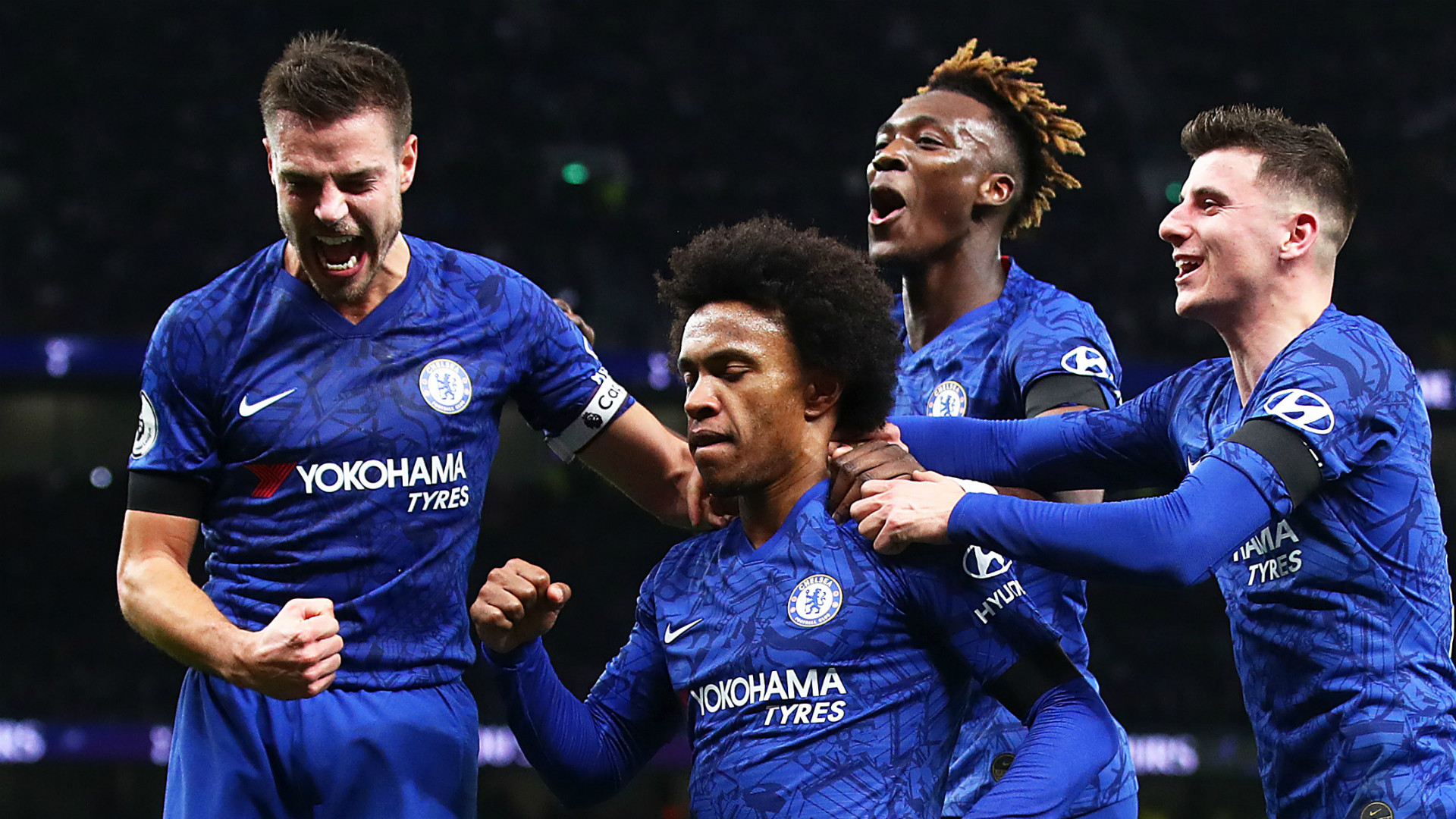 Lampard: Chelsea in talks with 'low-maintenance' Willian over new deal