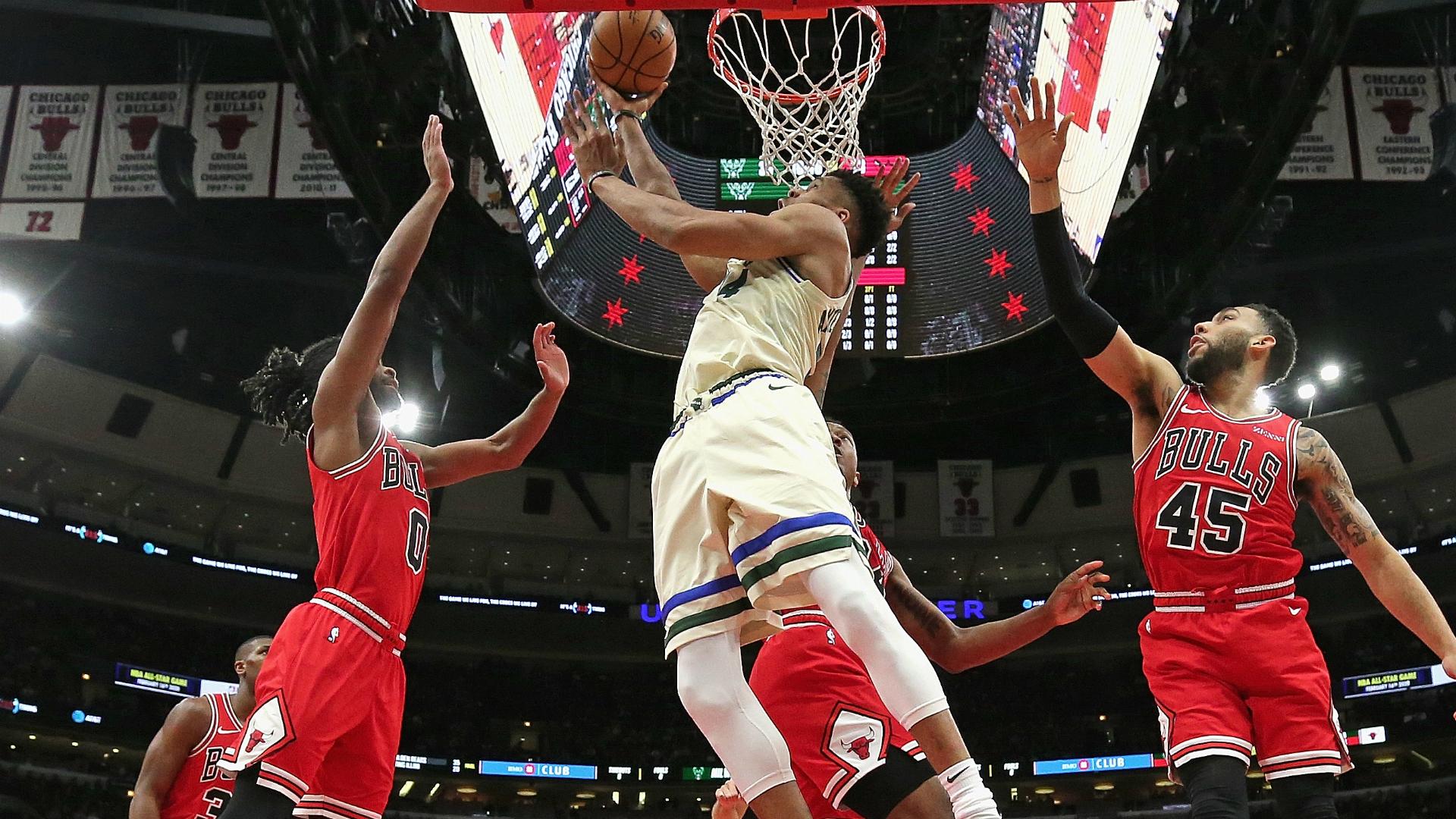 Giannis posts double-double on Bucks return, Wizards stun Heat