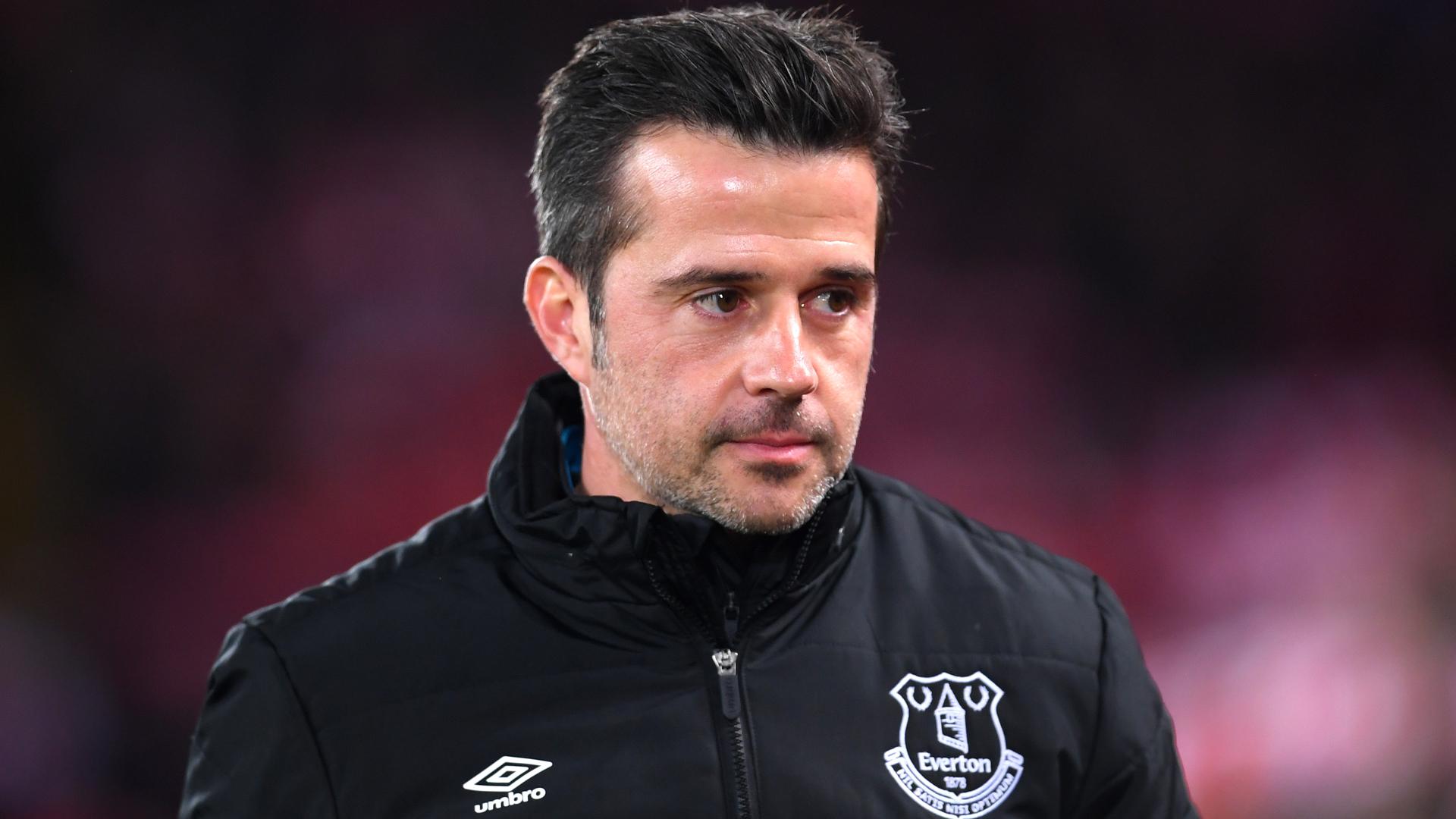 Silva sacked as Everton manager