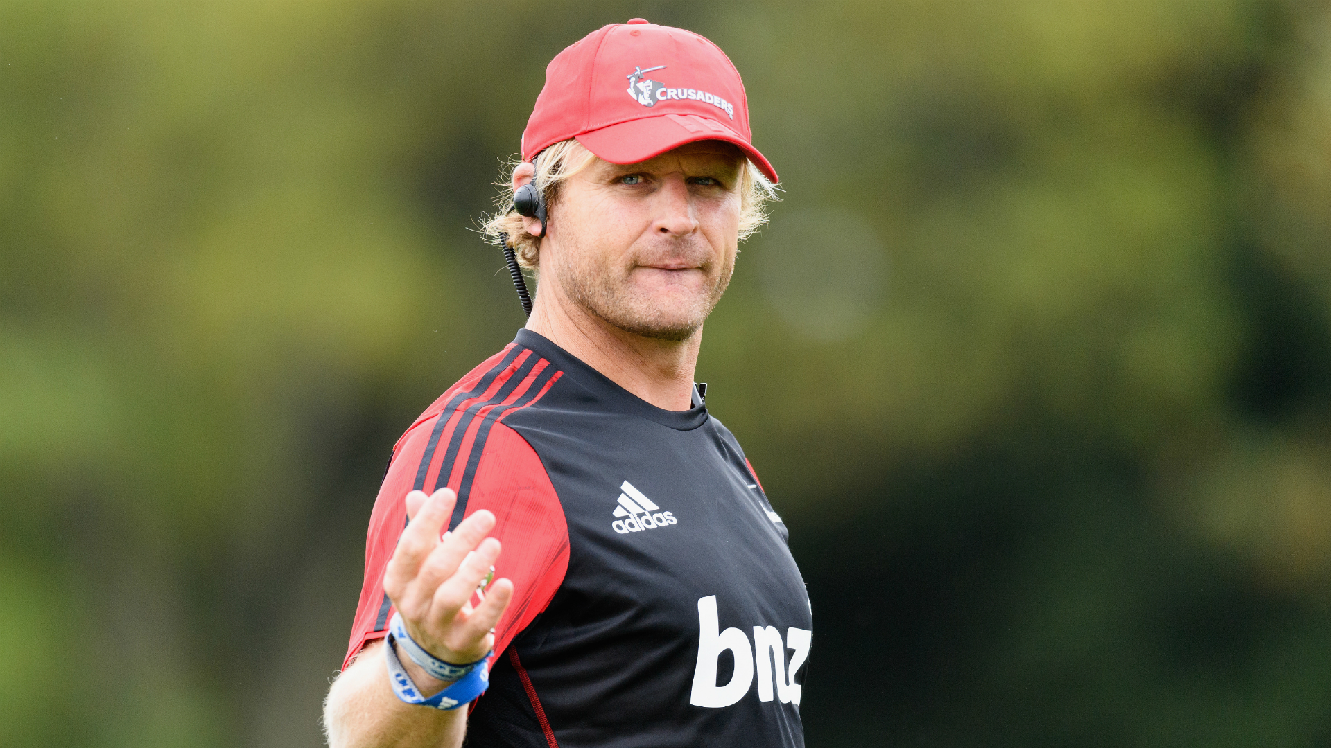 Crusaders coach Robertson signs on for two more seasons