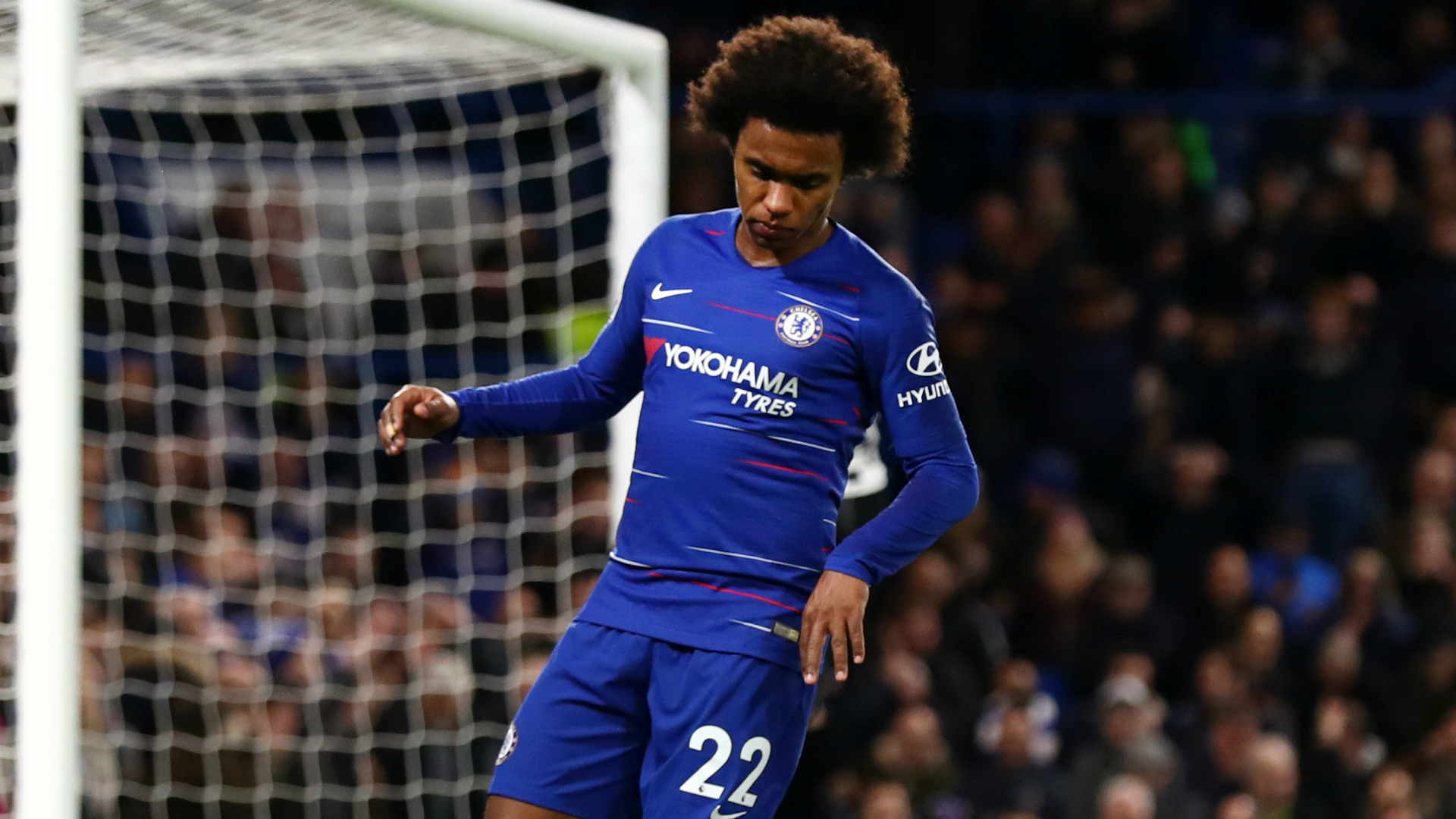 Stop! Don't ask about Willian's contract – Sarri