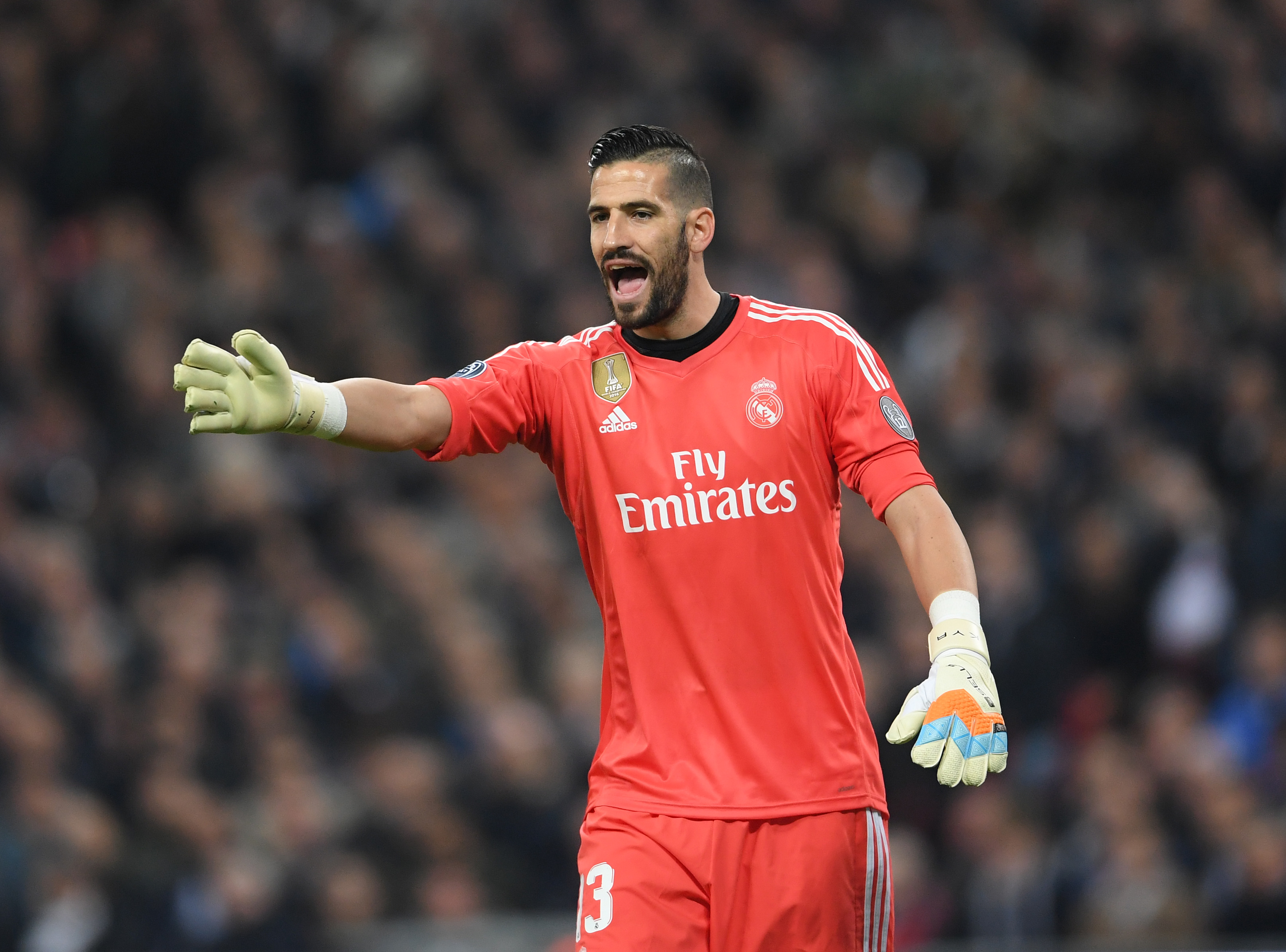 Leeds United pounce for Real Madrid goalkeeper Casilla