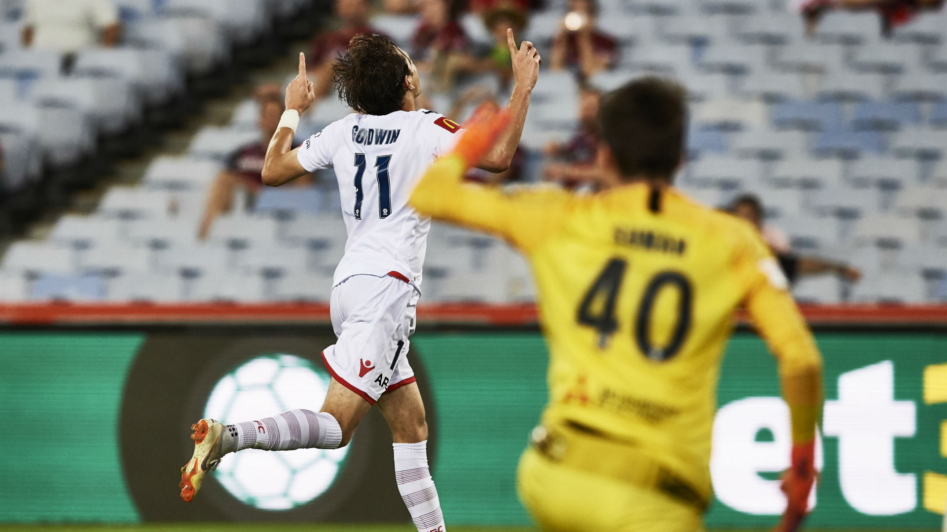 Western Sydney Wanderers 1 Adelaide United 2: Goodwin compounds Wanderers woes