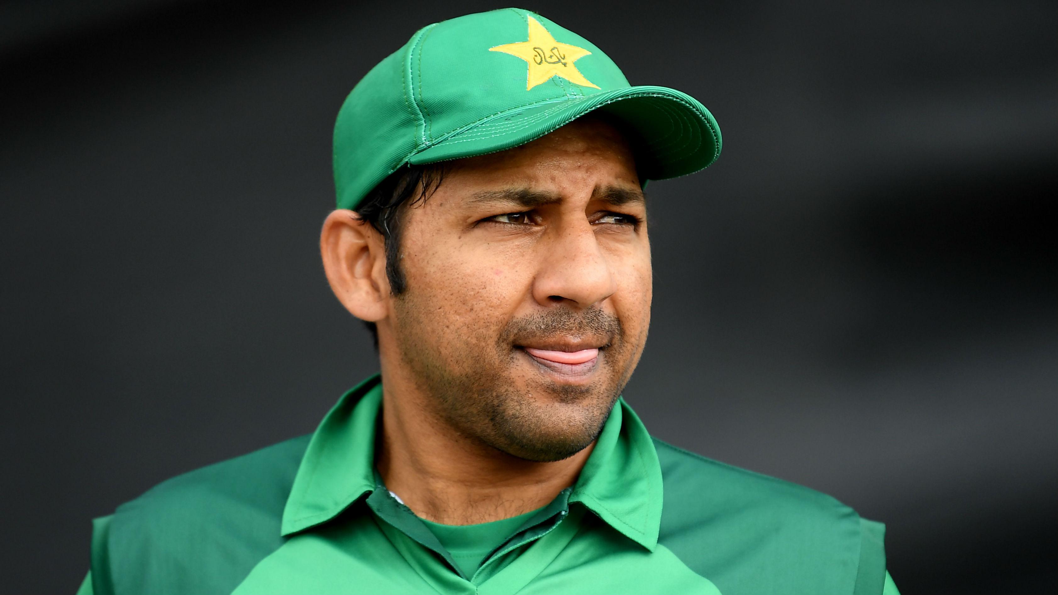 Pakistan v Bangladesh: Sarfraz eyes odds-defying qualification