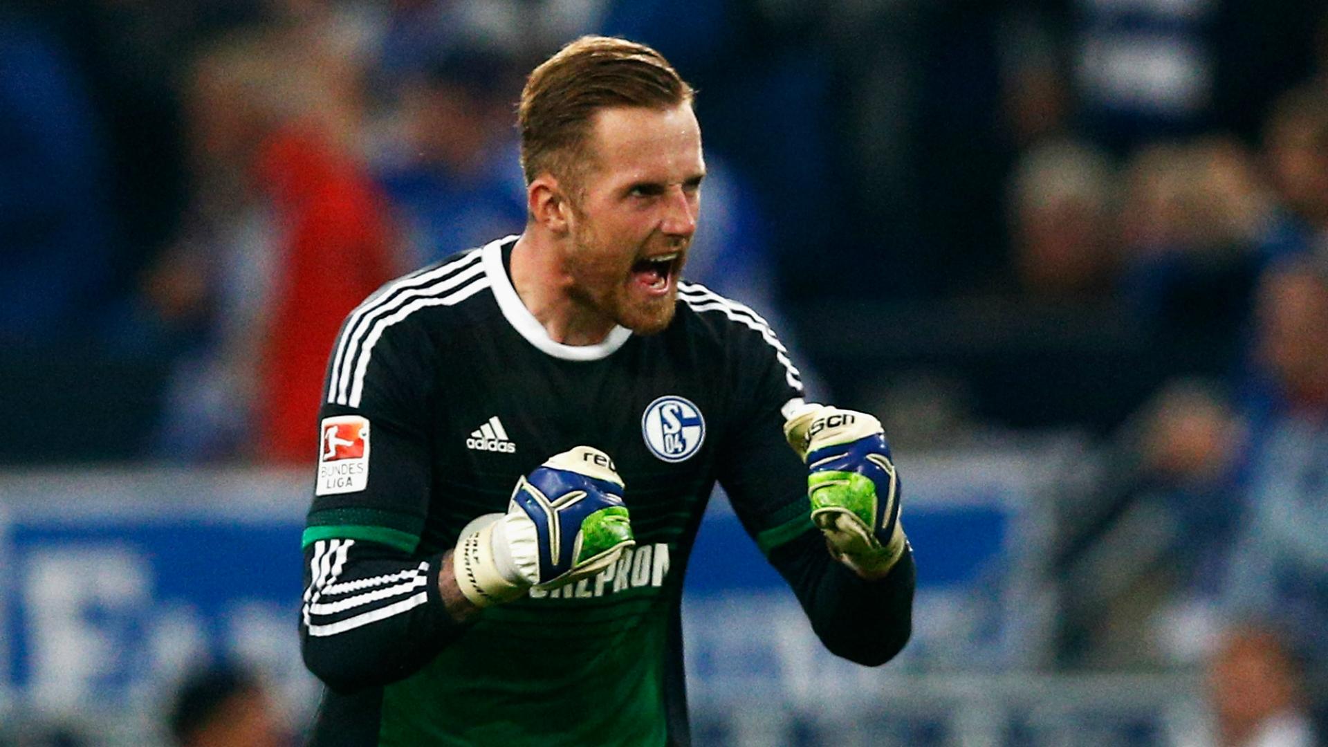 Norwich sign Schalke goalkeeper Fahrmann on loan