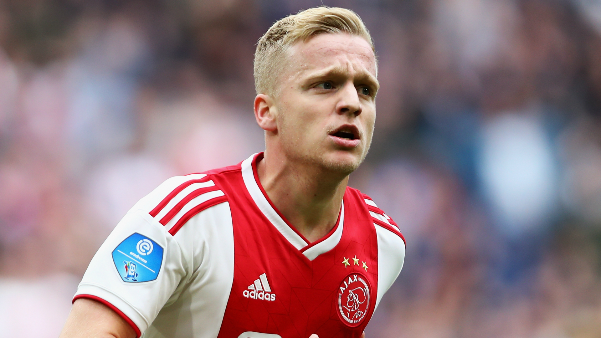 I'm really happy at Ajax - Van de Beek not angling for exit