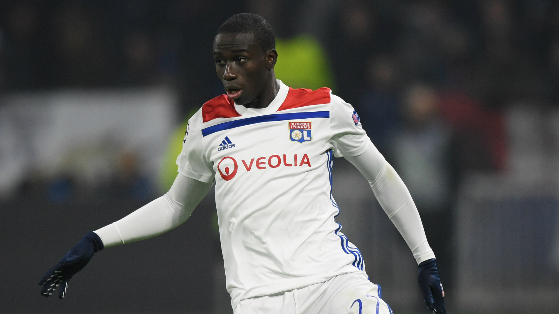 Real Madrid sign Mendy for €48m