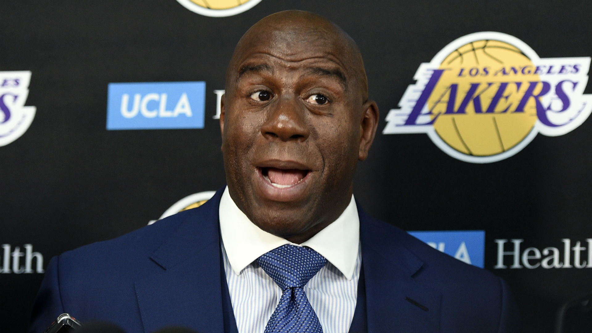 Magic Johnson congratulates Lakers over reported Davis trade