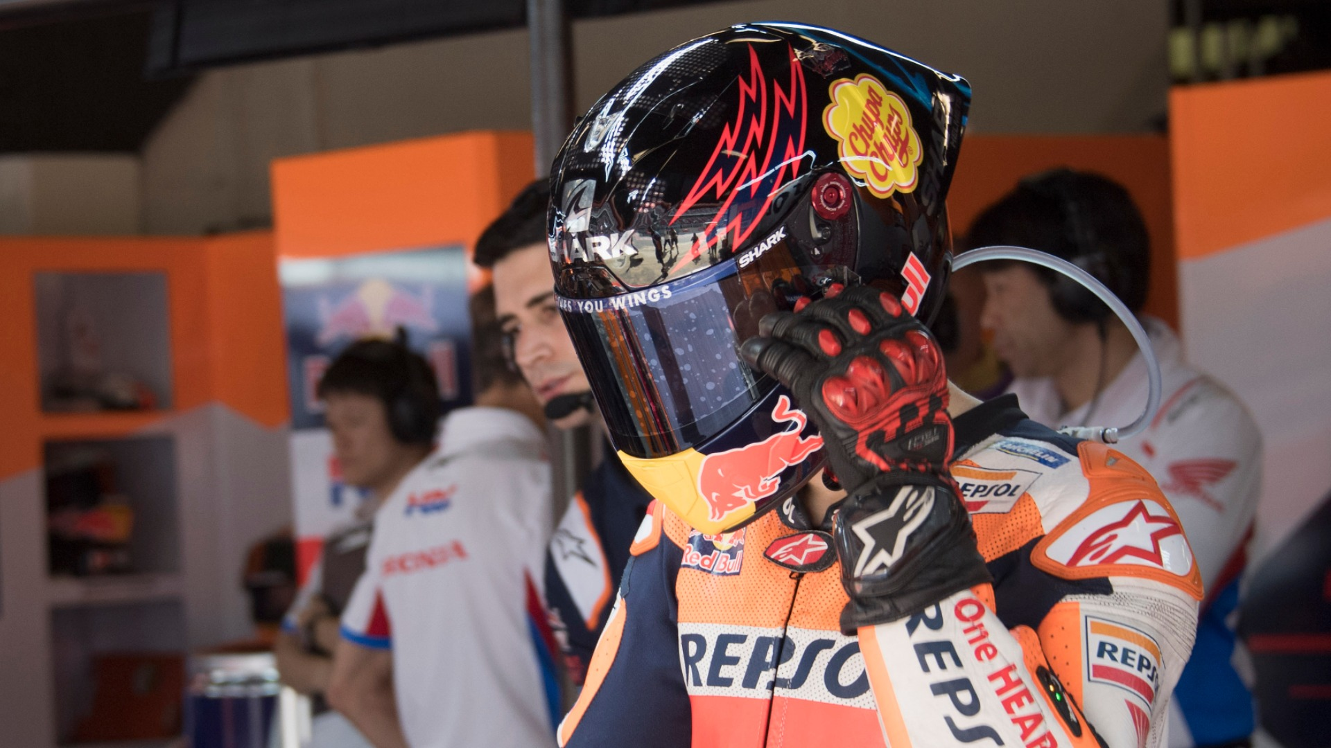 MotoGP Raceweek: A rookie mistake from a five-time champ! - Vinales slams Lorenzo