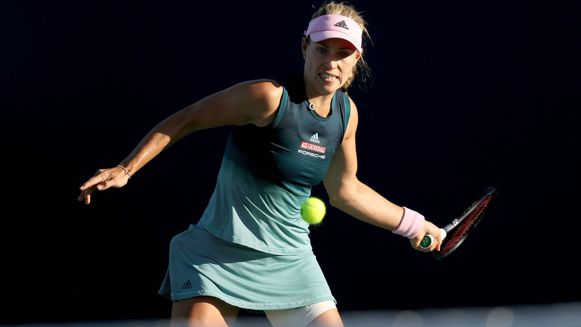 Kerber through to meet Sharapova in Mallorca